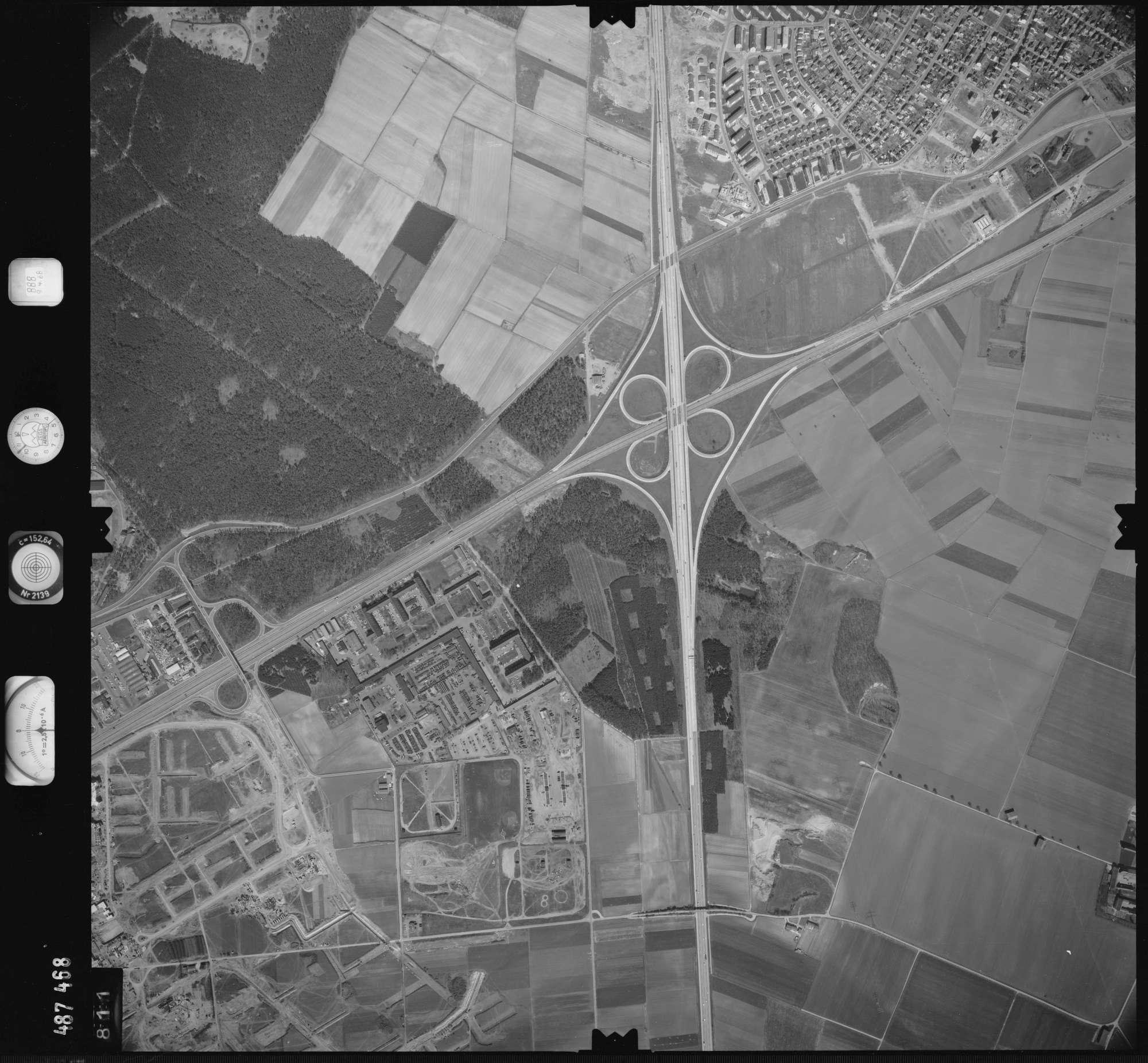 Luftbild: Film 888 Bildnr. 811, Bild 1