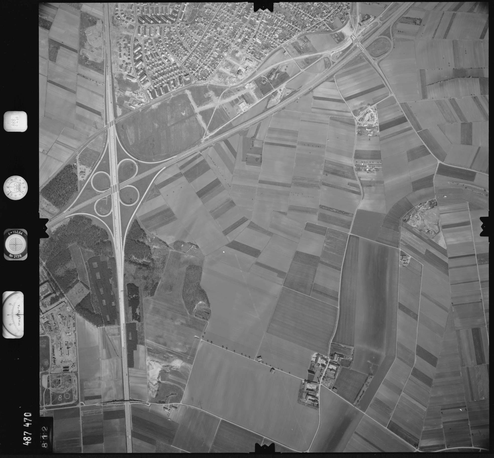 Luftbild: Film 888 Bildnr. 812, Bild 1