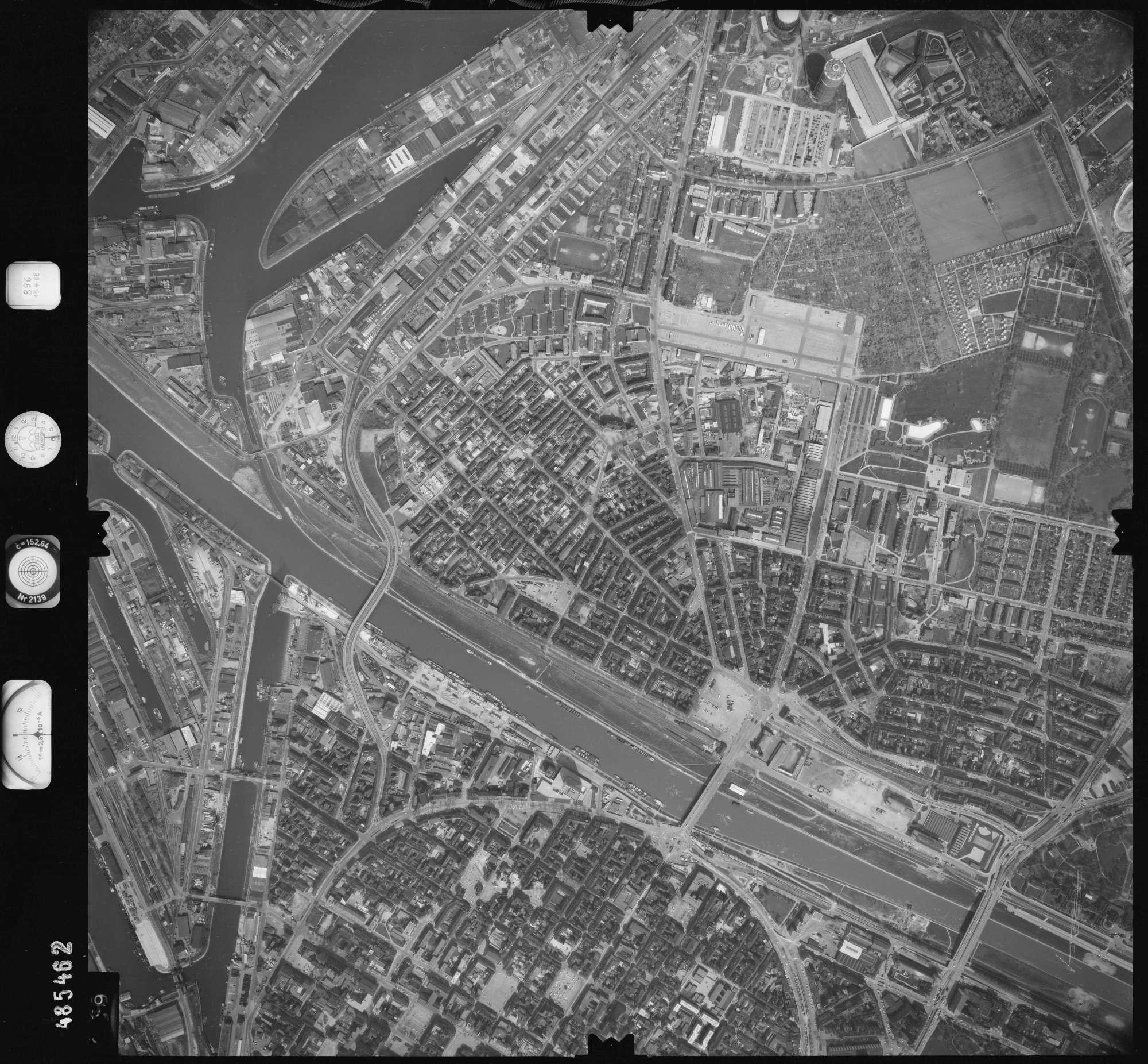 Luftbild: Film 896 Bildnr. 389, Bild 1