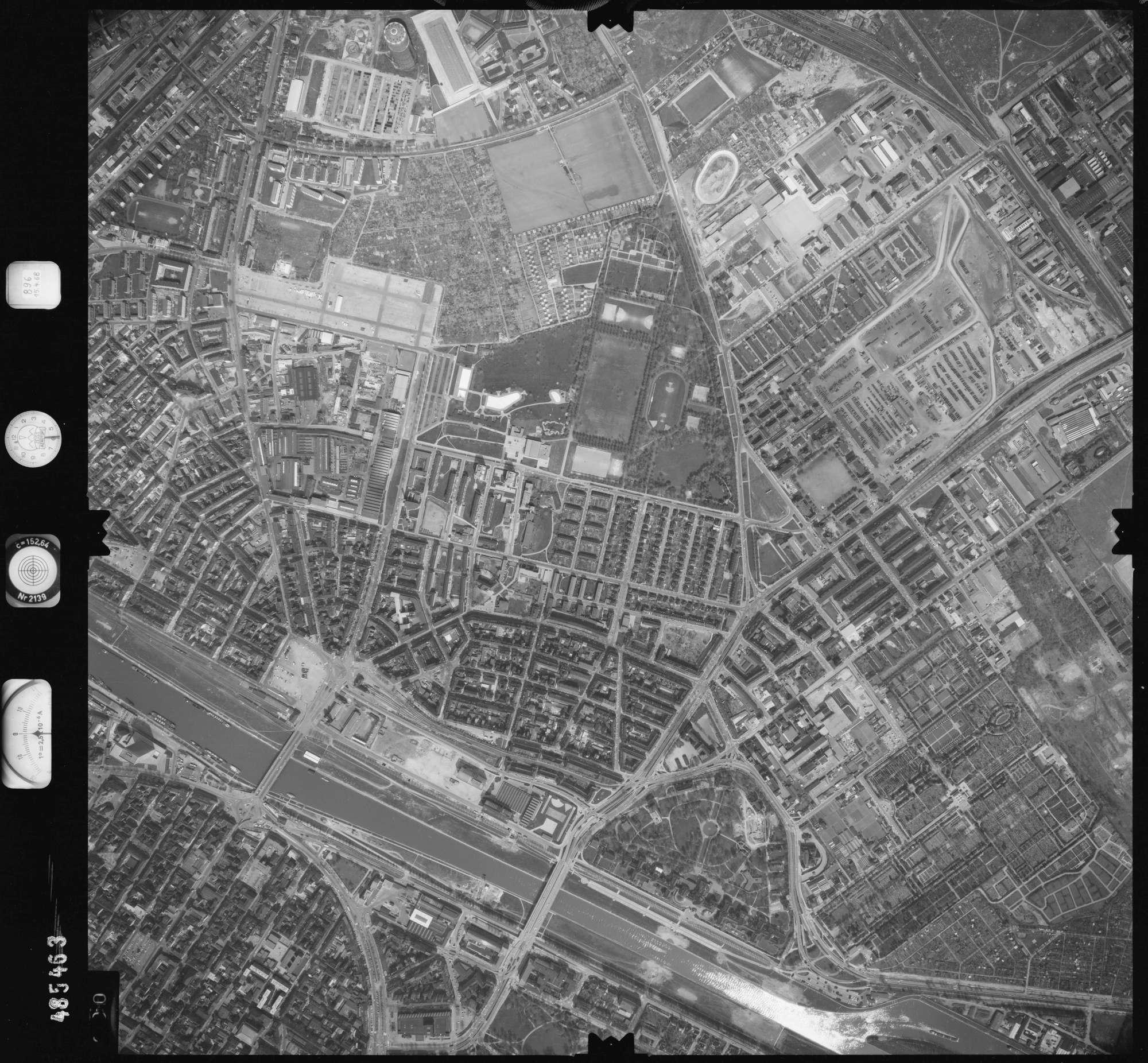 Luftbild: Film 896 Bildnr. 390, Bild 1