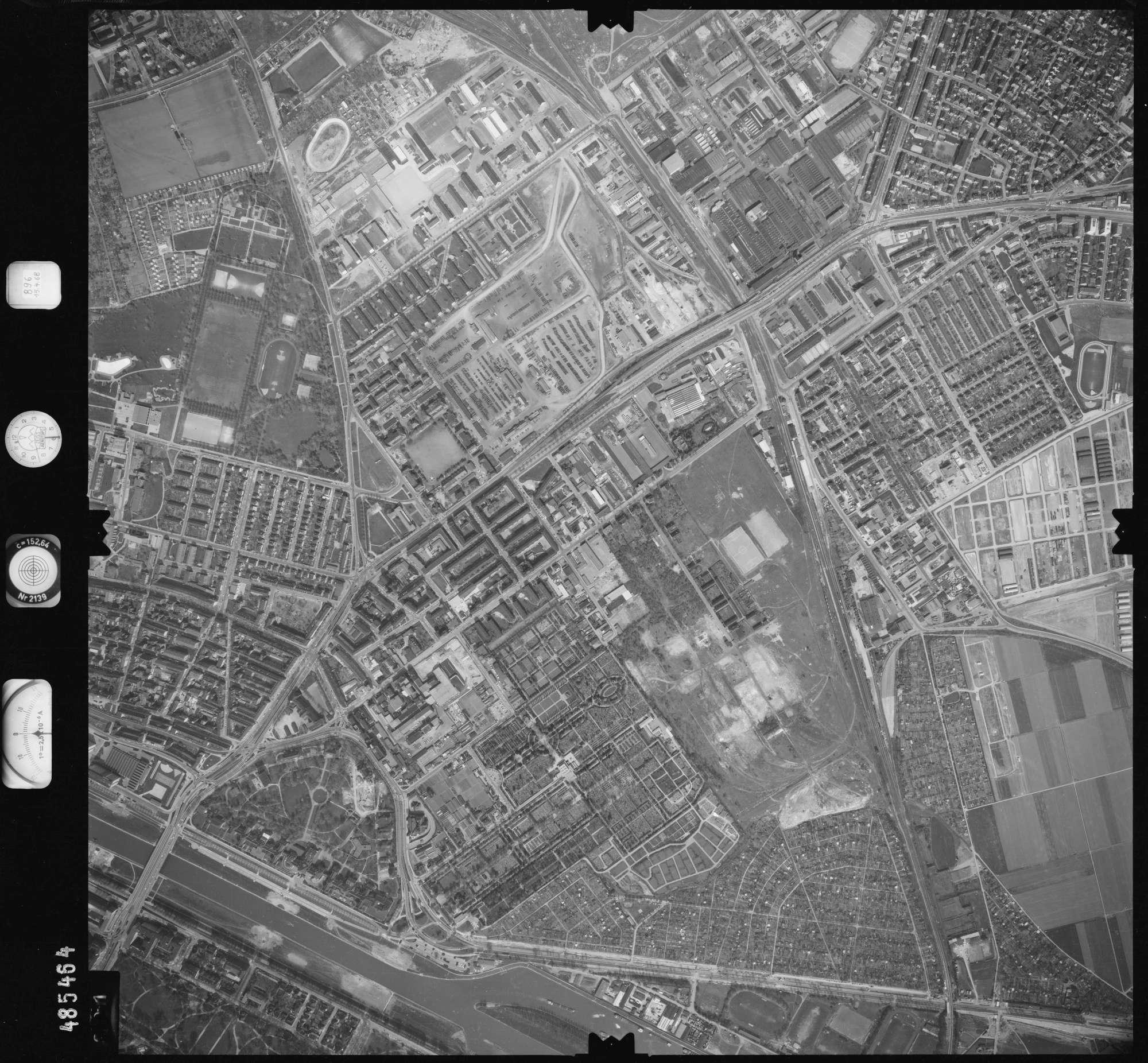 Luftbild: Film 896 Bildnr. 391, Bild 1