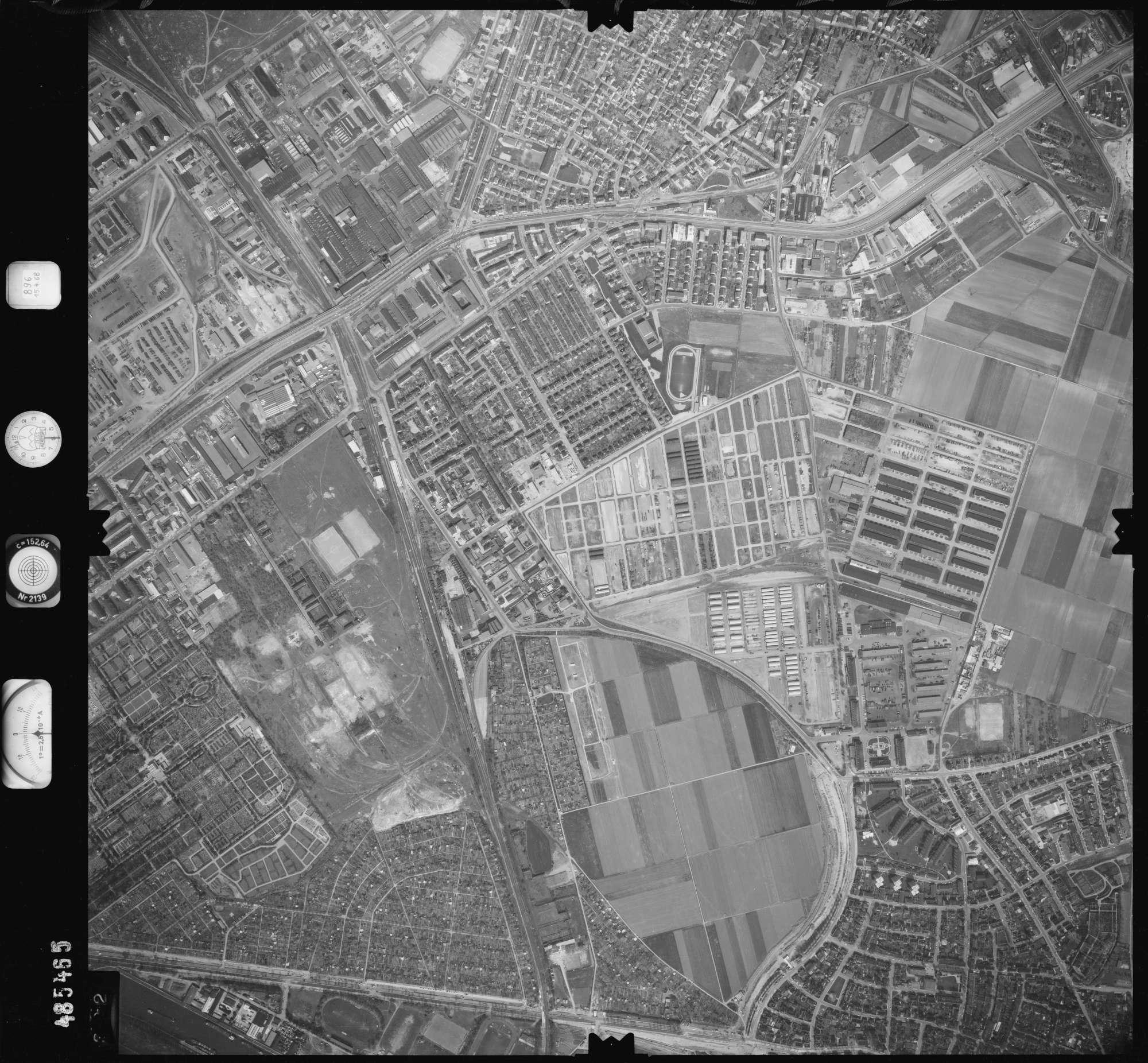 Luftbild: Film 896 Bildnr. 392, Bild 1