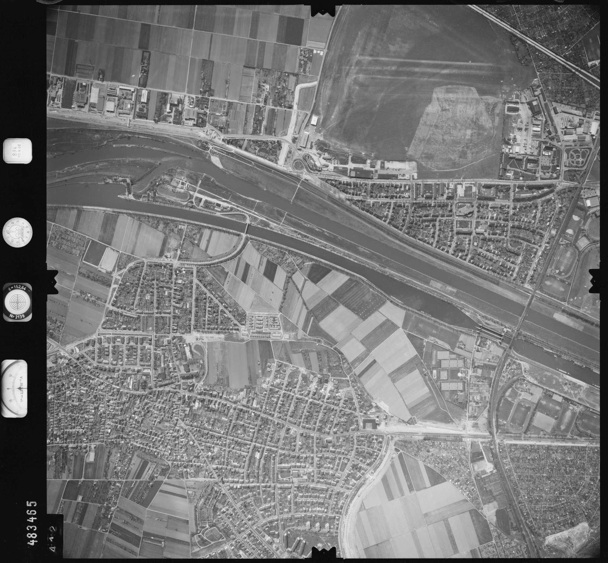 Luftbild: Film 896 Bildnr. 412, Bild 1