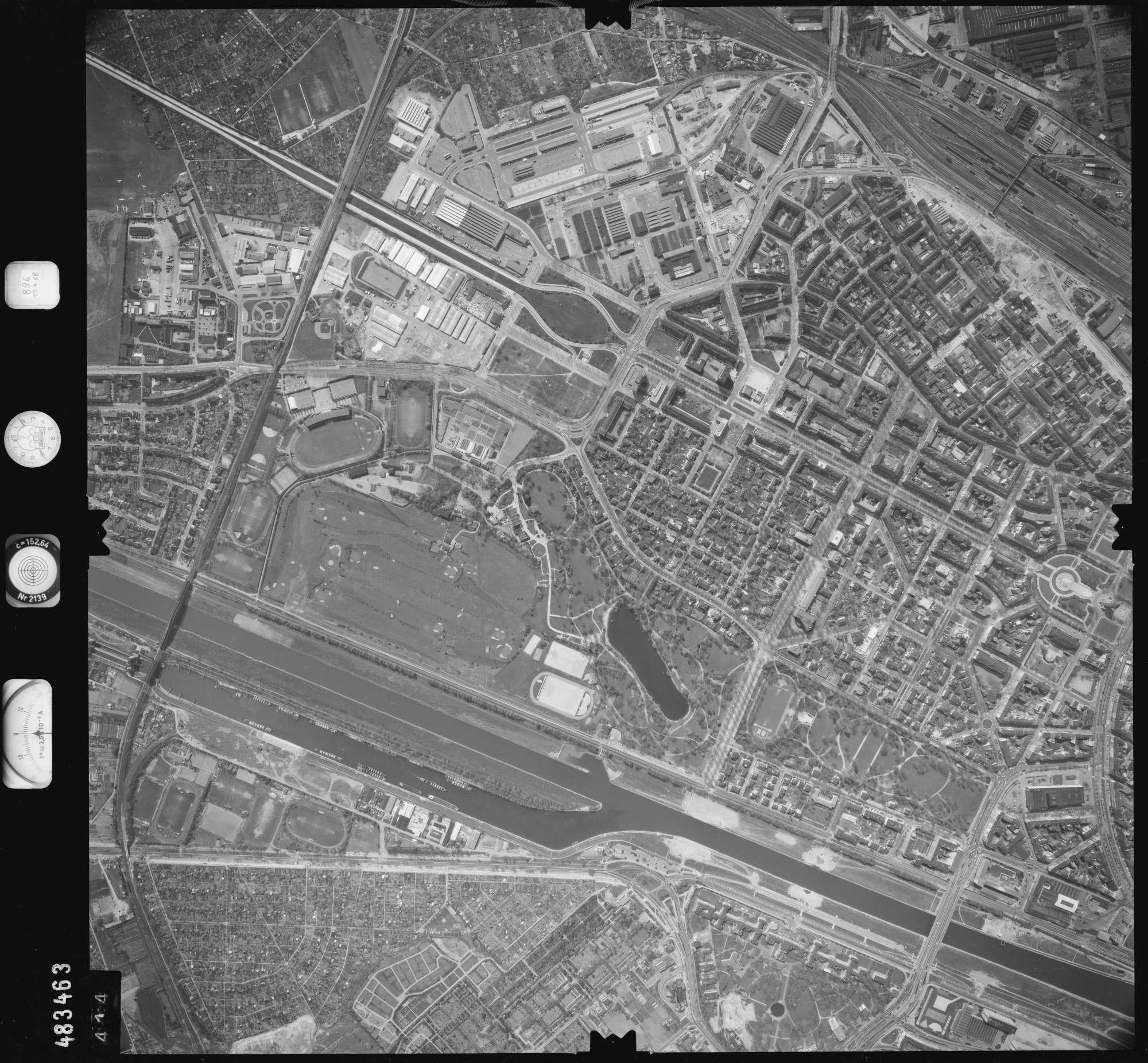 Luftbild: Film 896 Bildnr. 414, Bild 1