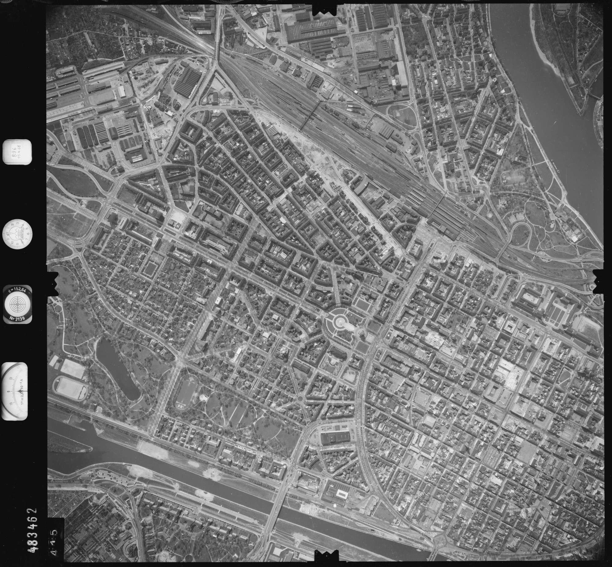 Luftbild: Film 896 Bildnr. 415, Bild 1