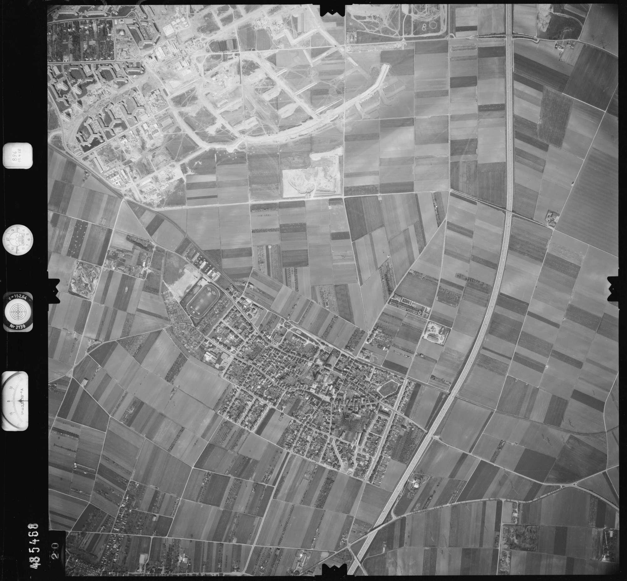 Luftbild: Film 896 Bildnr. 420, Bild 1