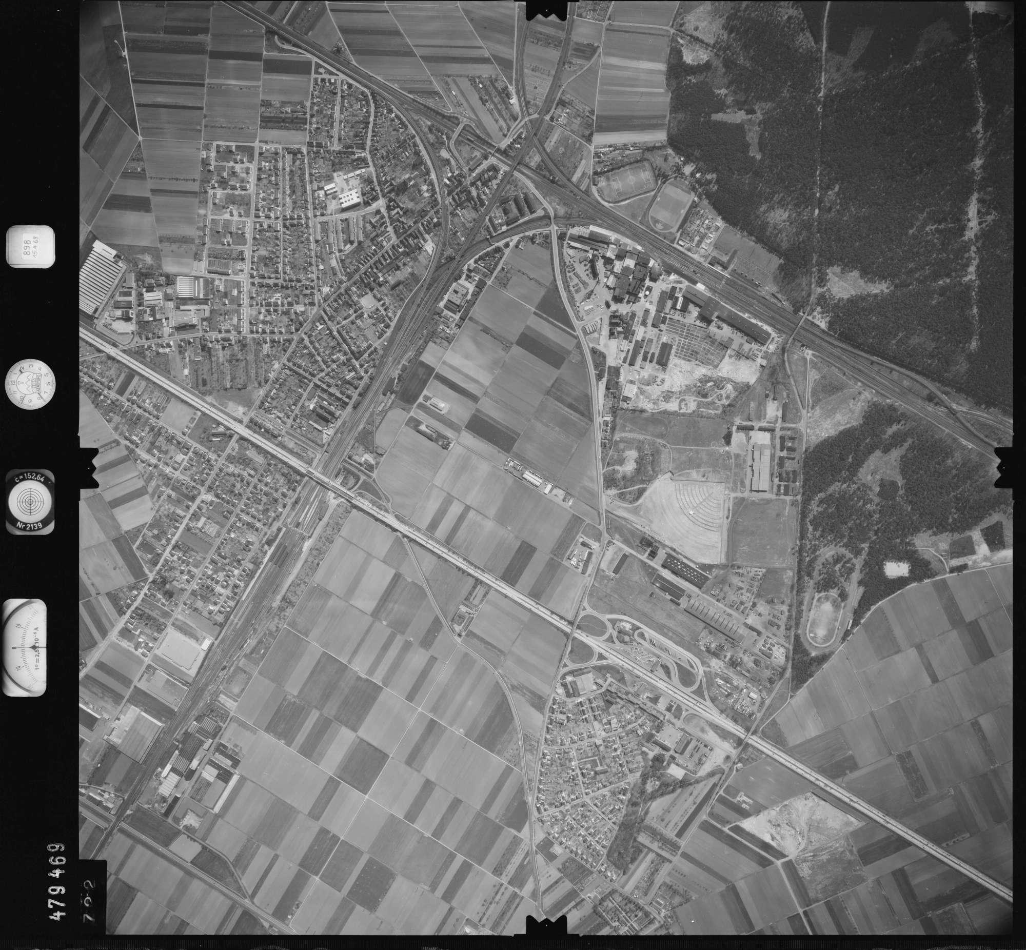 Luftbild: Film 898 Bildnr. 722, Bild 1