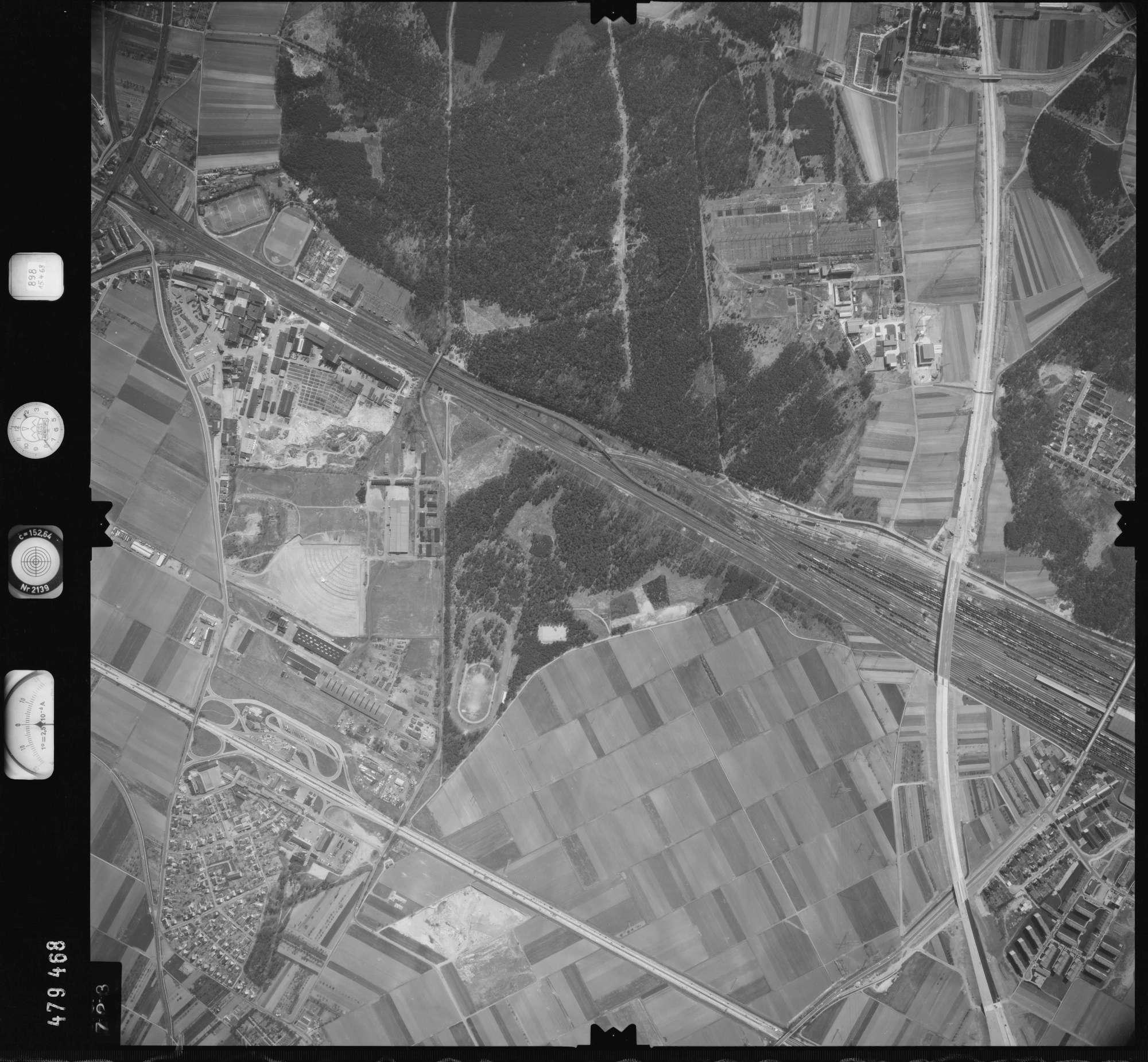 Luftbild: Film 898 Bildnr. 723, Bild 1