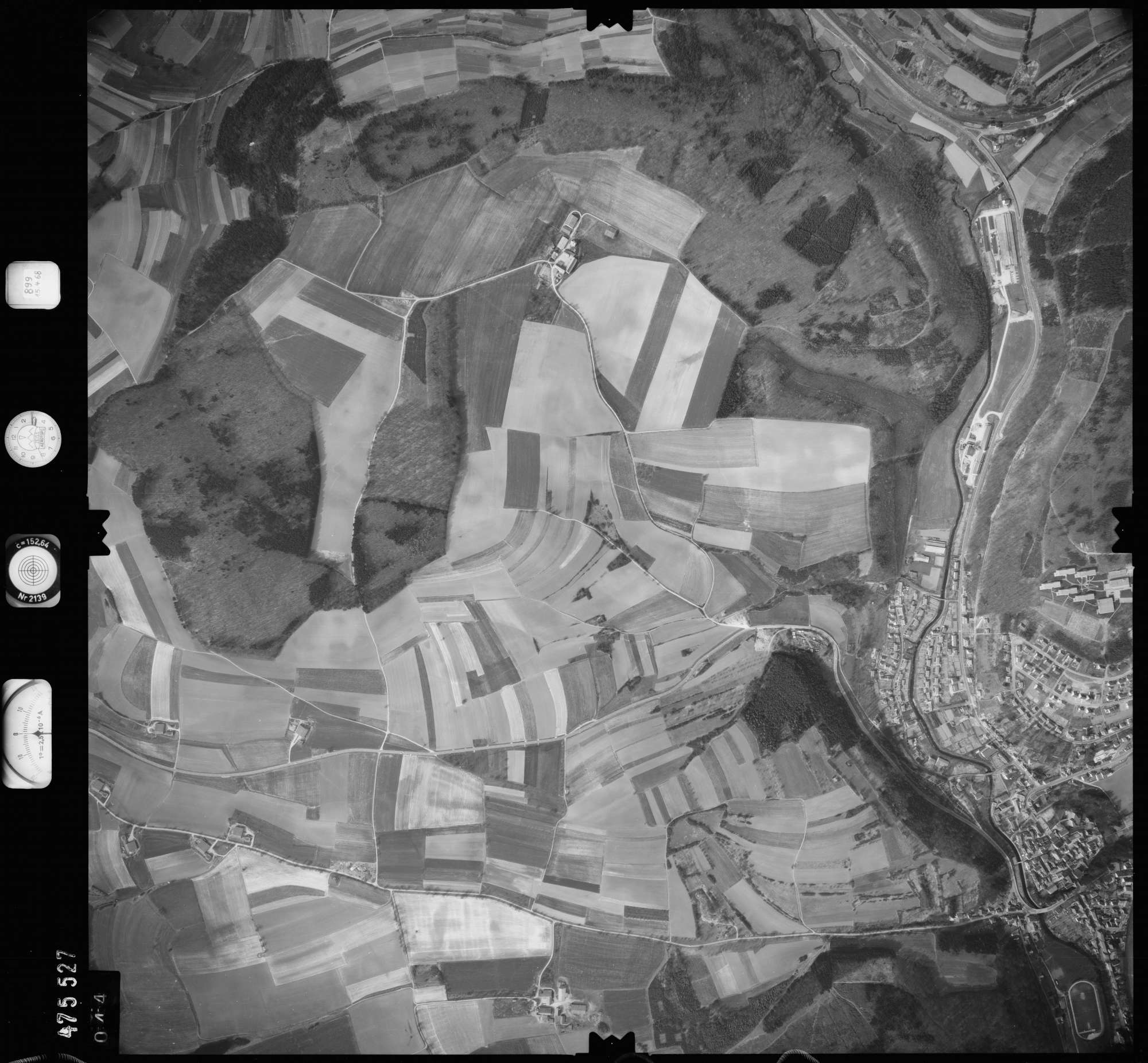 Luftbild: Film 899 Bildnr. 44, Bild 1