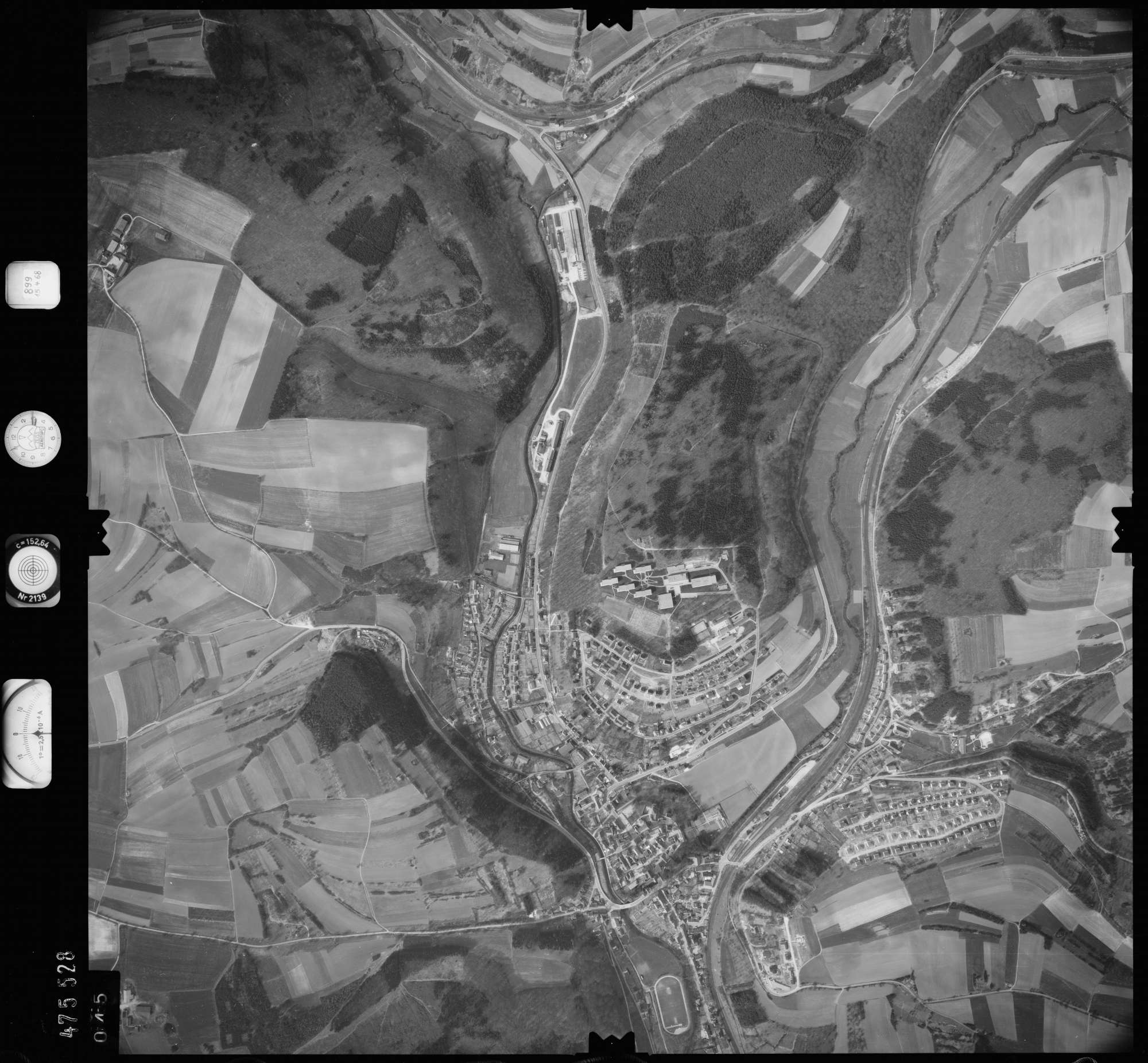 Luftbild: Film 899 Bildnr. 45, Bild 1