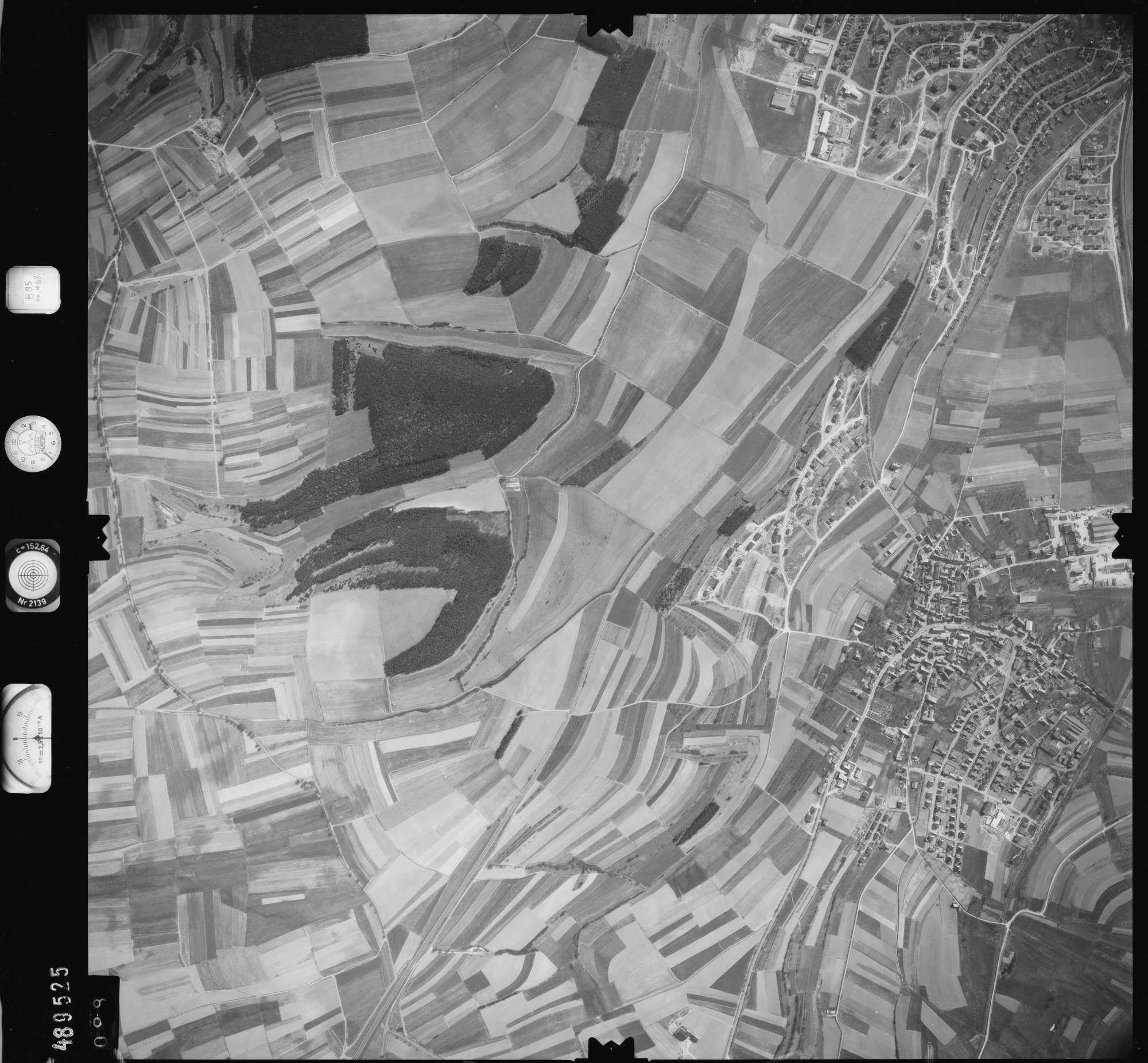 Luftbild: Film 895 Bildnr. 98, Bild 1