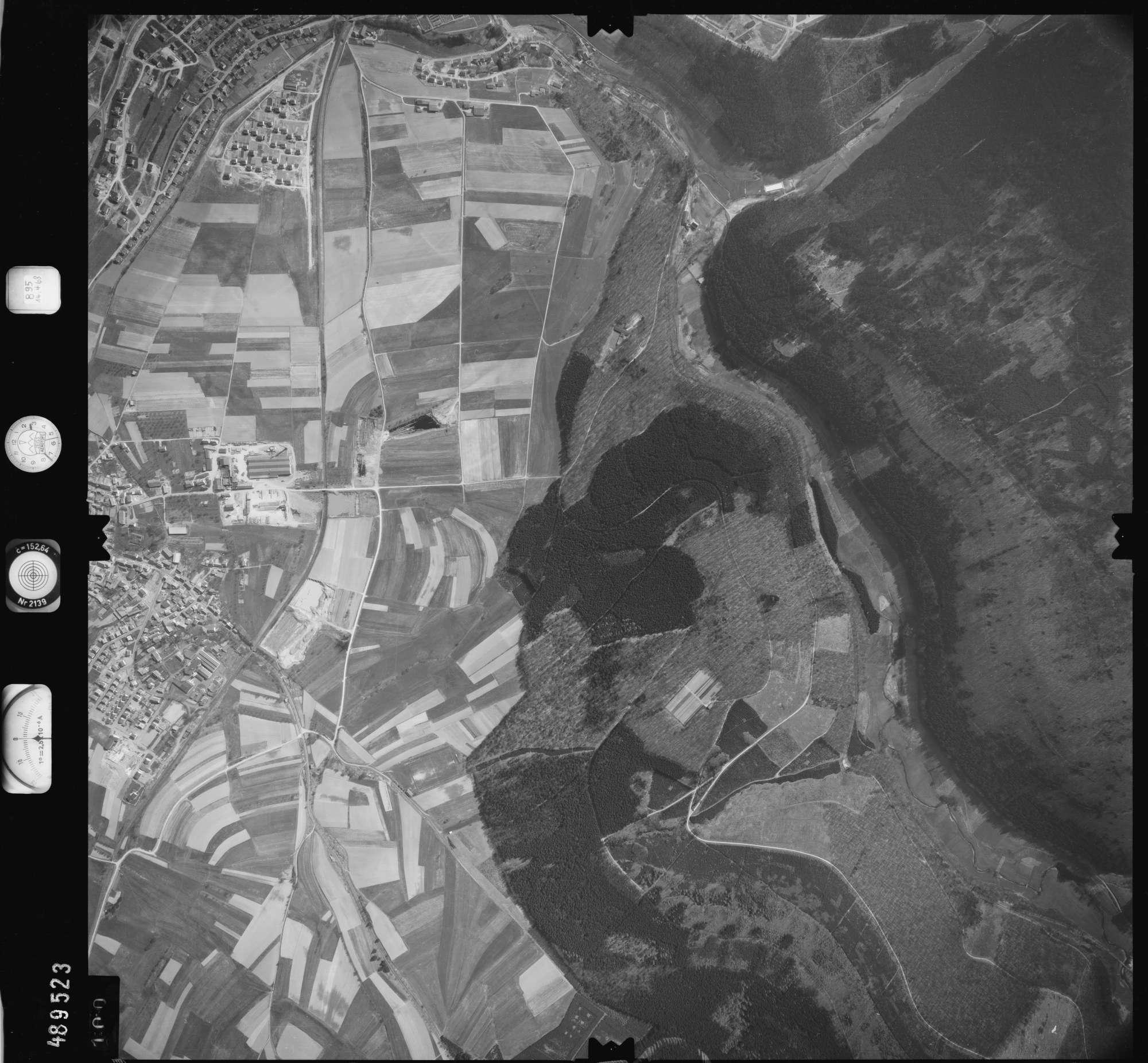 Luftbild: Film 895 Bildnr. 100, Bild 1