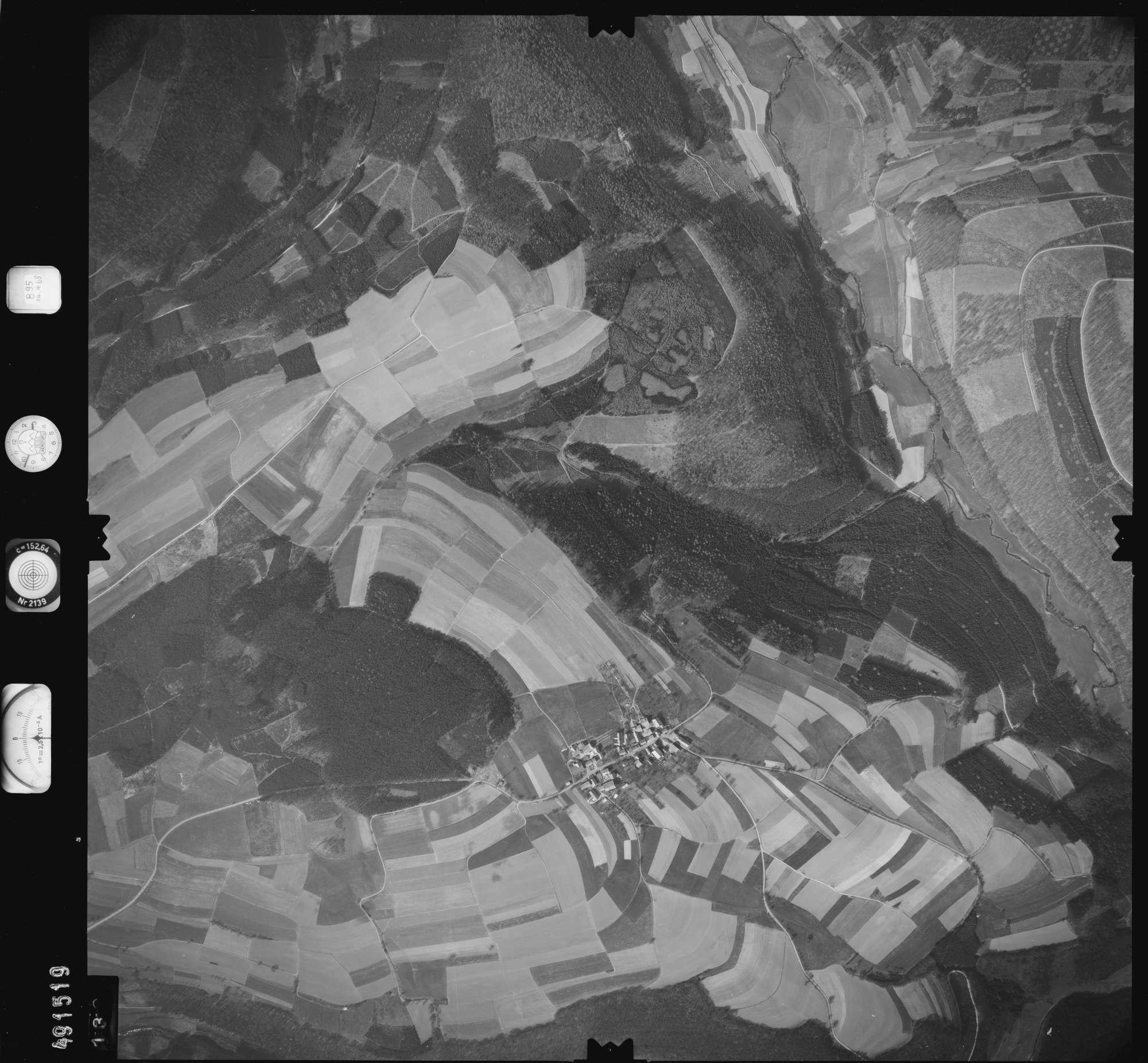 Luftbild: Film 895 Bildnr. 132, Bild 1