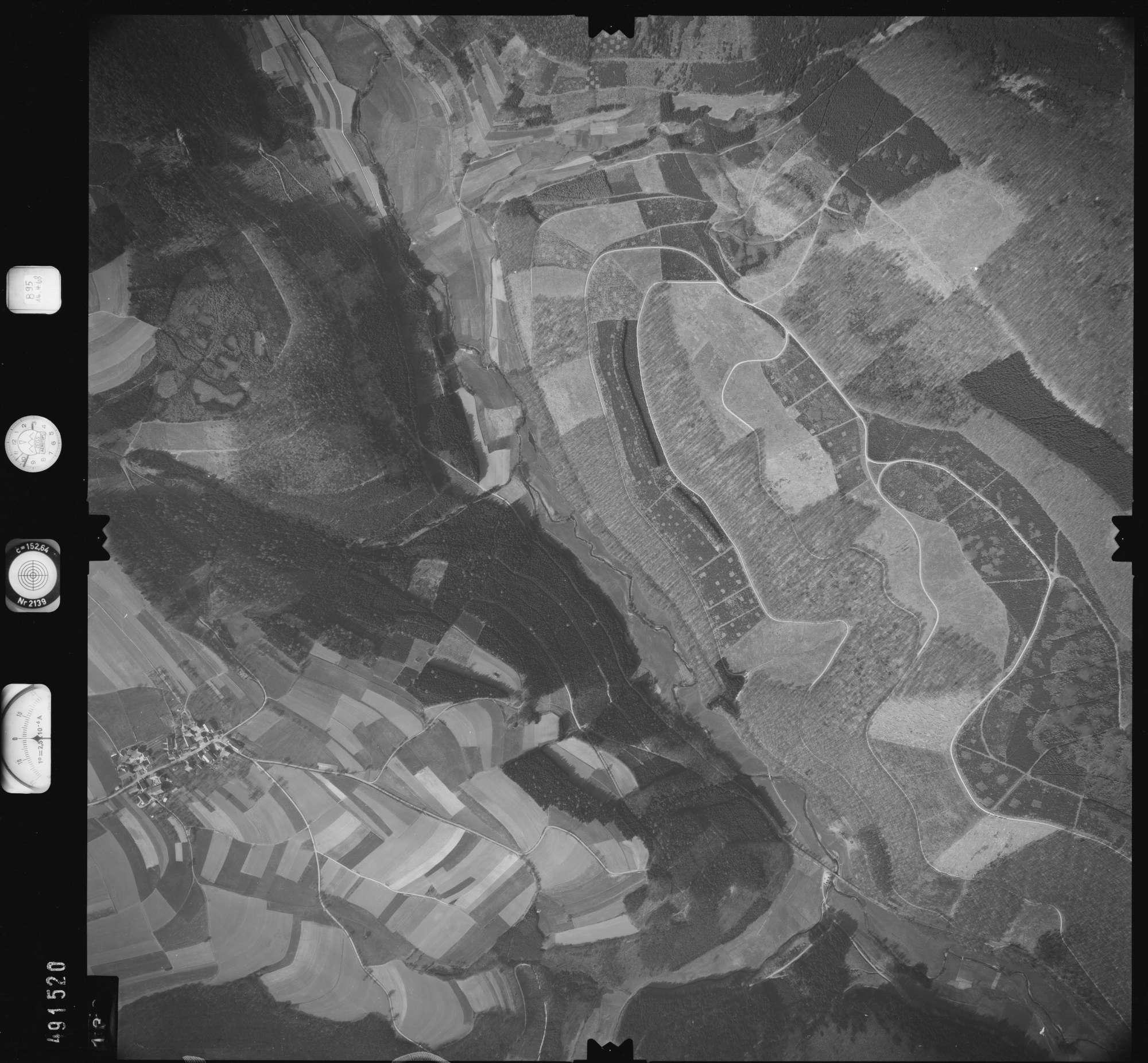 Luftbild: Film 895 Bildnr. 133, Bild 1