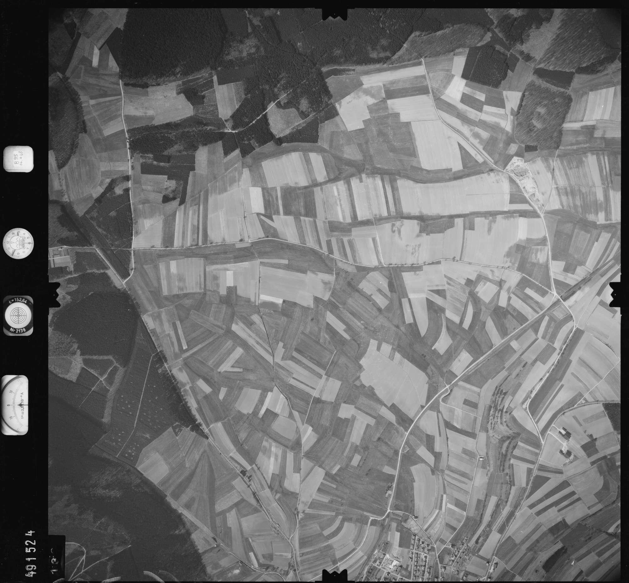 Luftbild: Film 895 Bildnr. 136, Bild 1
