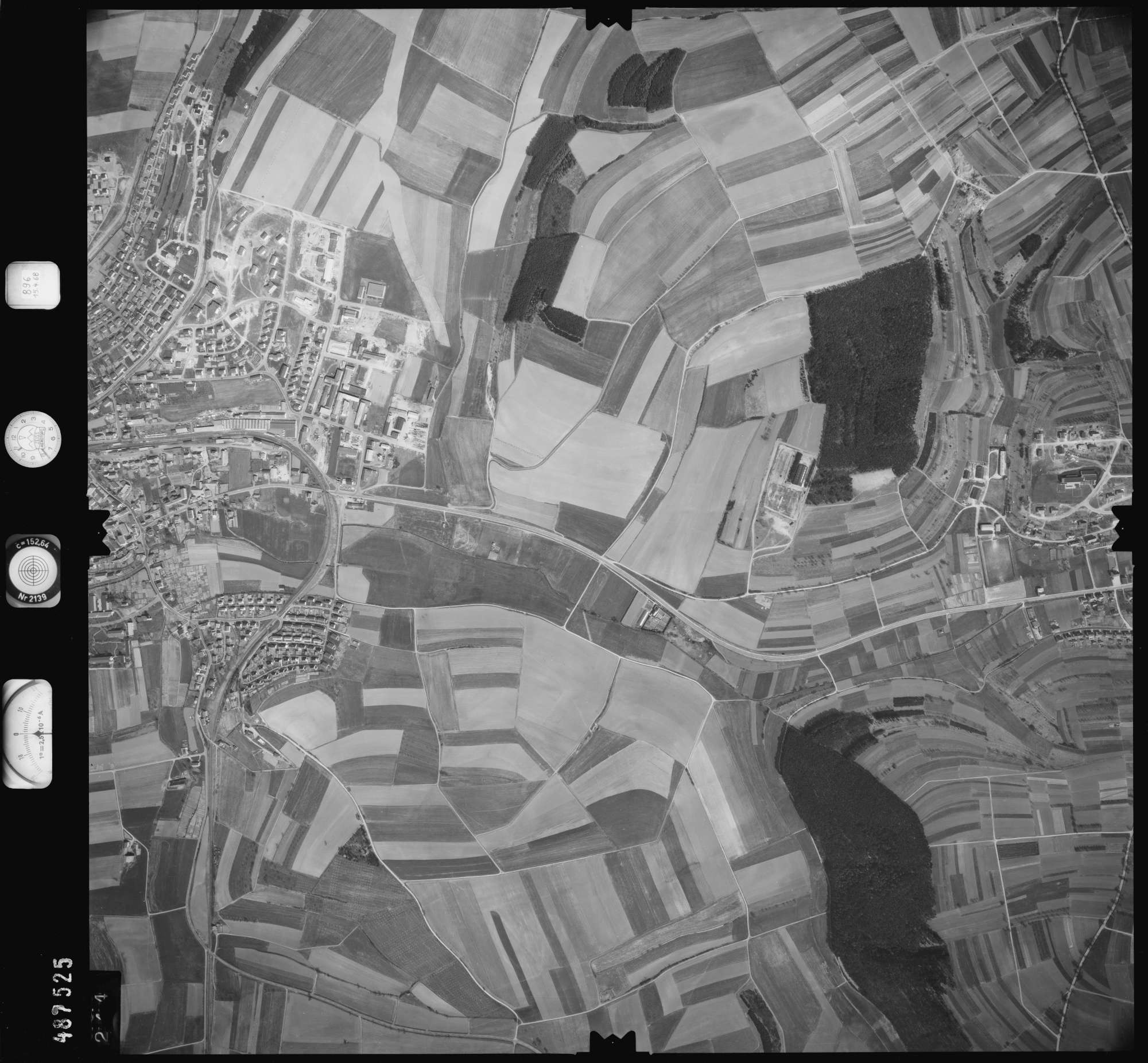 Luftbild: Film 896 Bildnr. 244, Bild 1