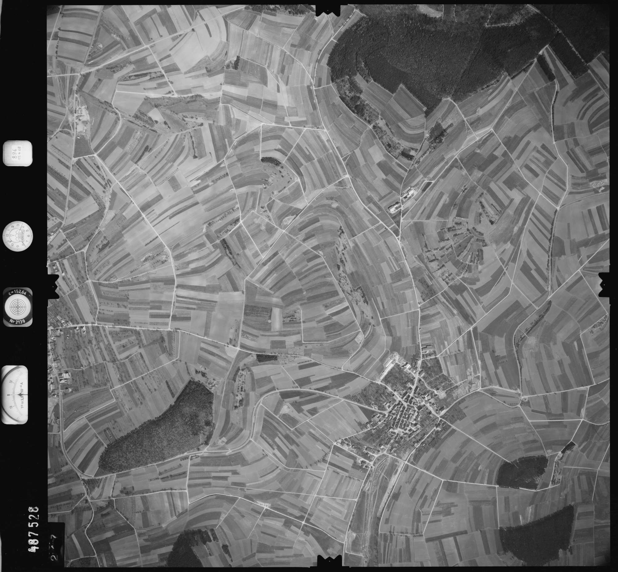 Luftbild: Film 896 Bildnr. 247, Bild 1