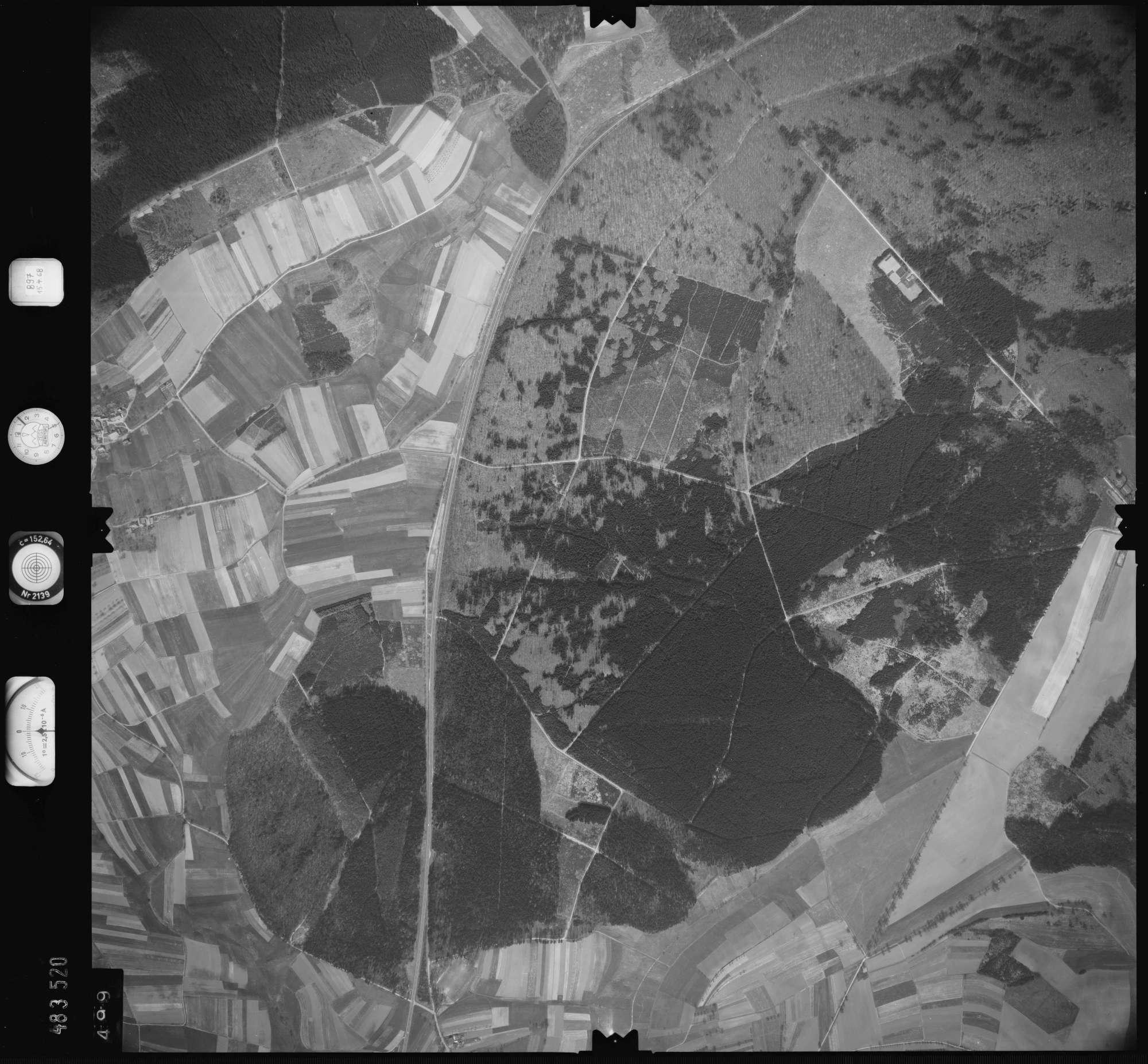 Luftbild: Film 897 Bildnr. 499, Bild 1