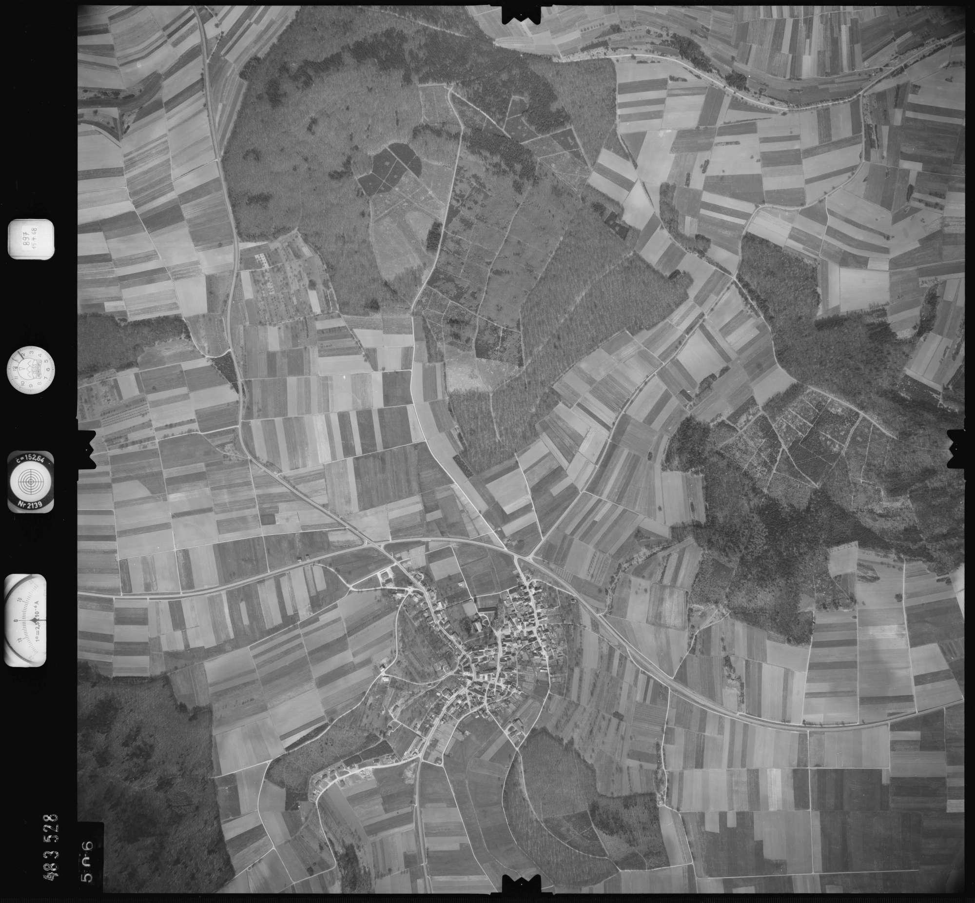 Luftbild: Film 897 Bildnr. 506, Bild 1