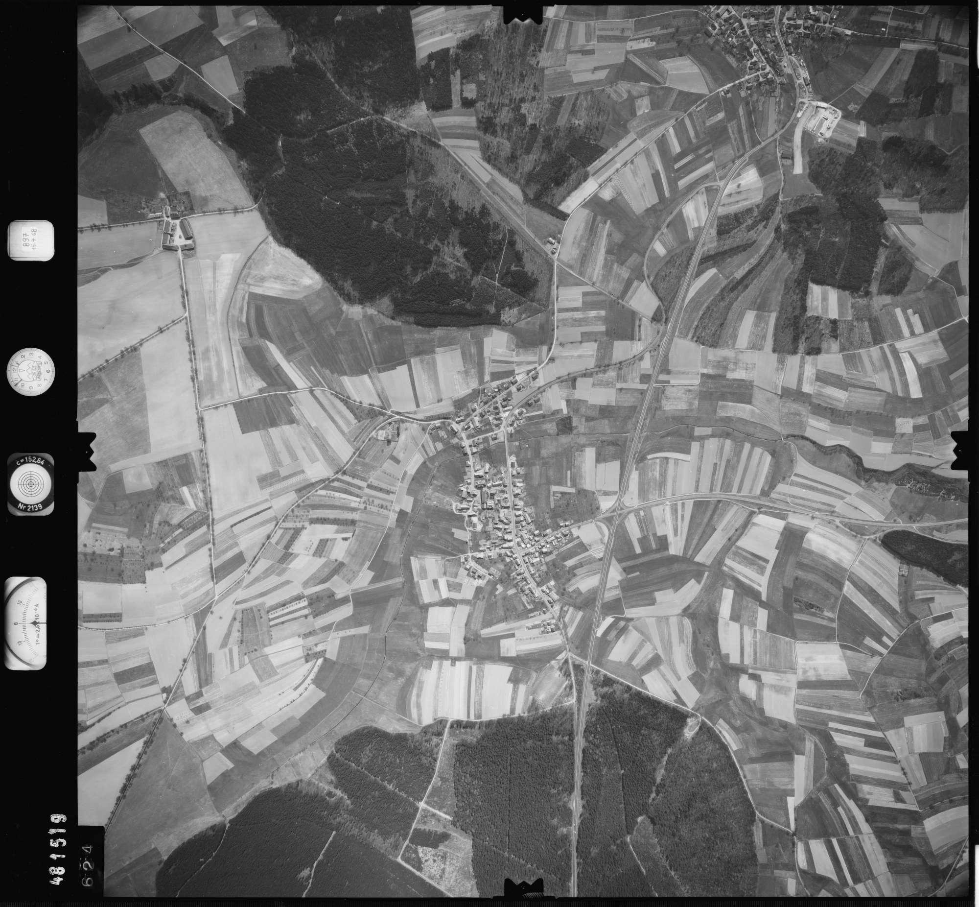 Luftbild: Film 897 Bildnr. 624, Bild 1