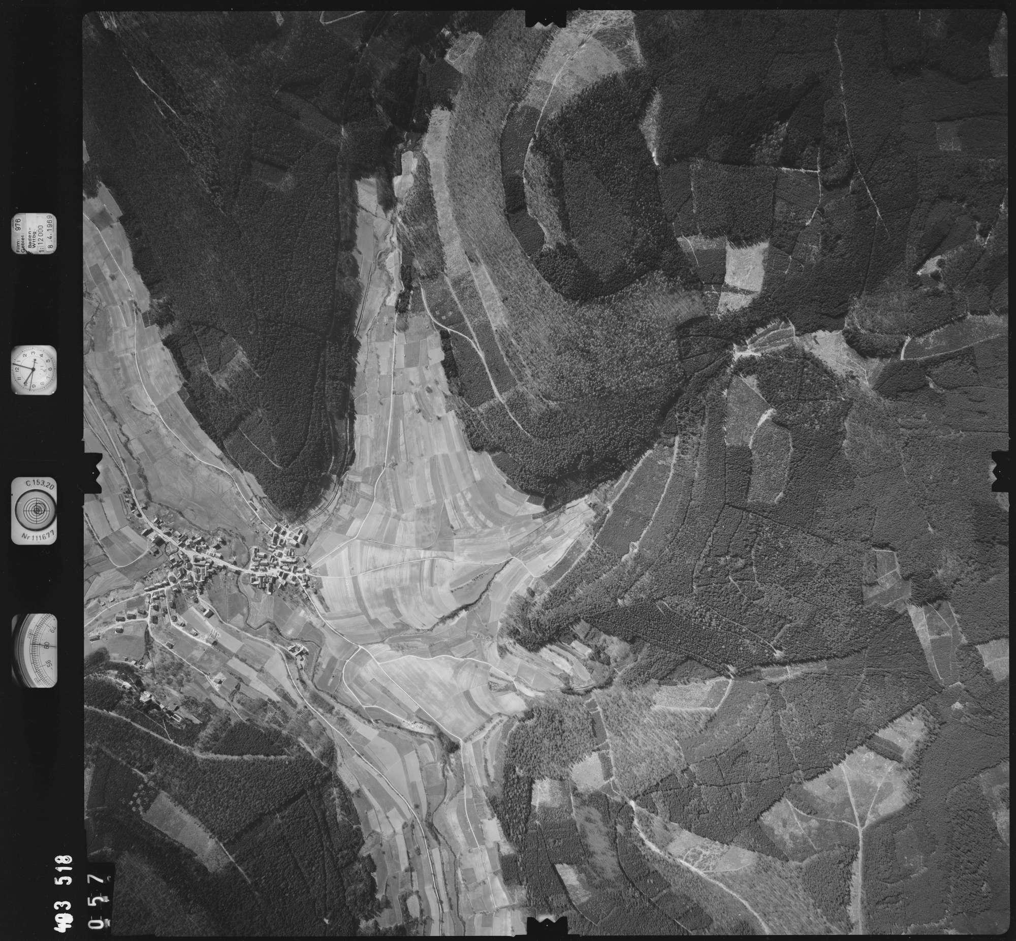 Luftbild: Film 976 Bildnr. 57, Bild 1