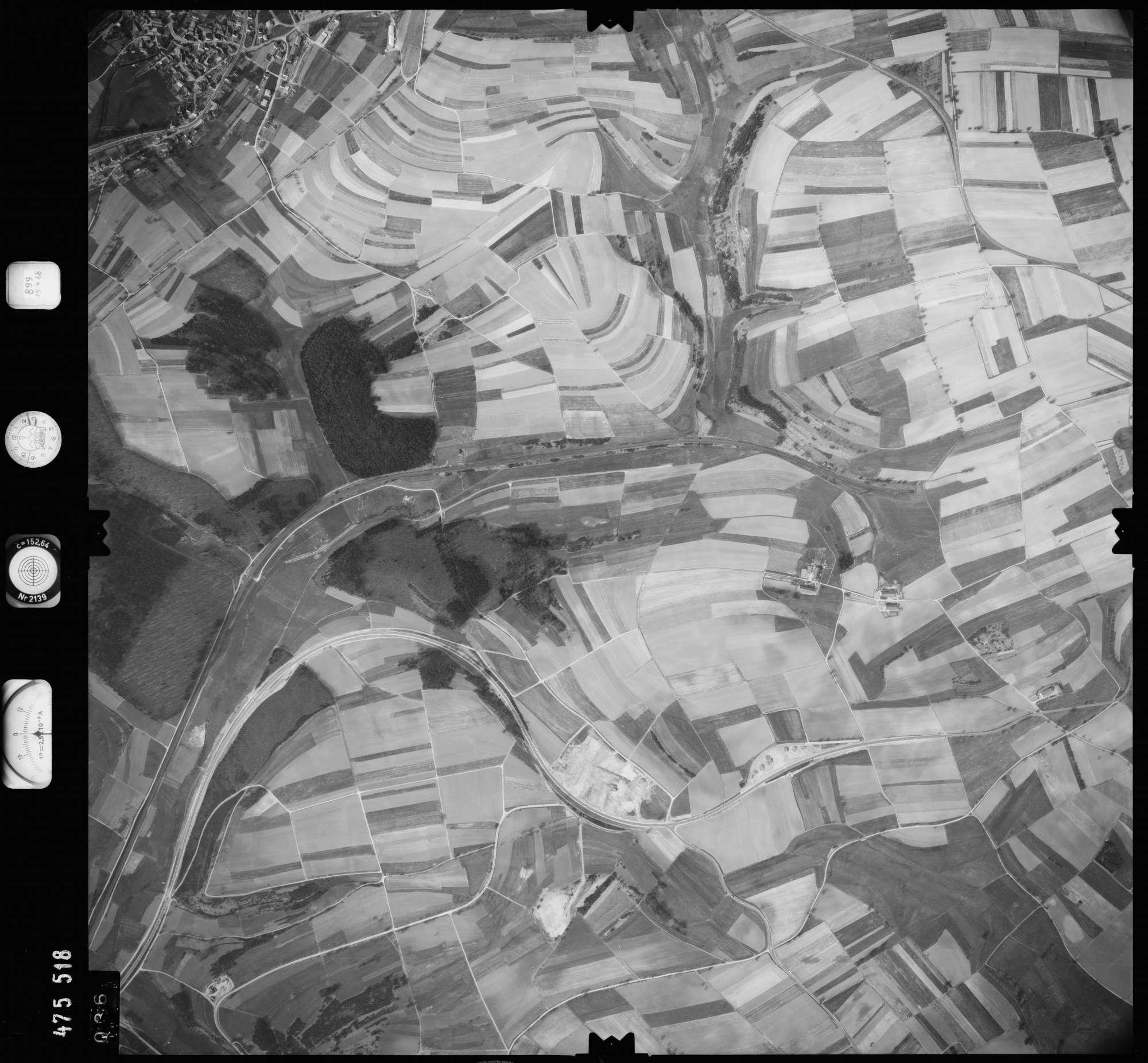 Luftbild: Film 899 Bildnr. 36, Bild 1
