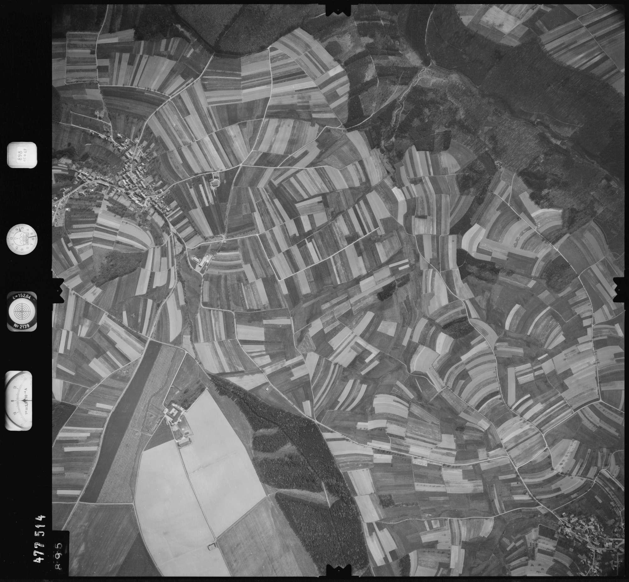 Luftbild: Film 898 Bildnr. 895, Bild 1