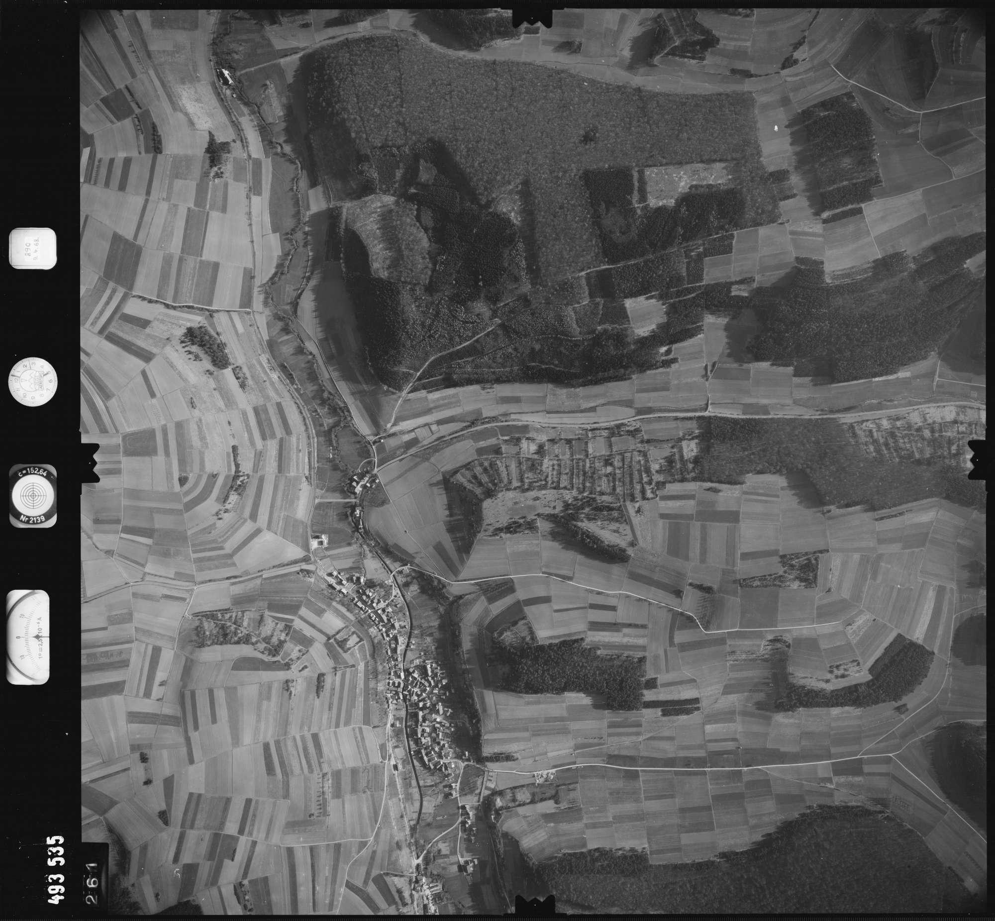 Luftbild: Film 889 Bildnr. 261, Bild 1