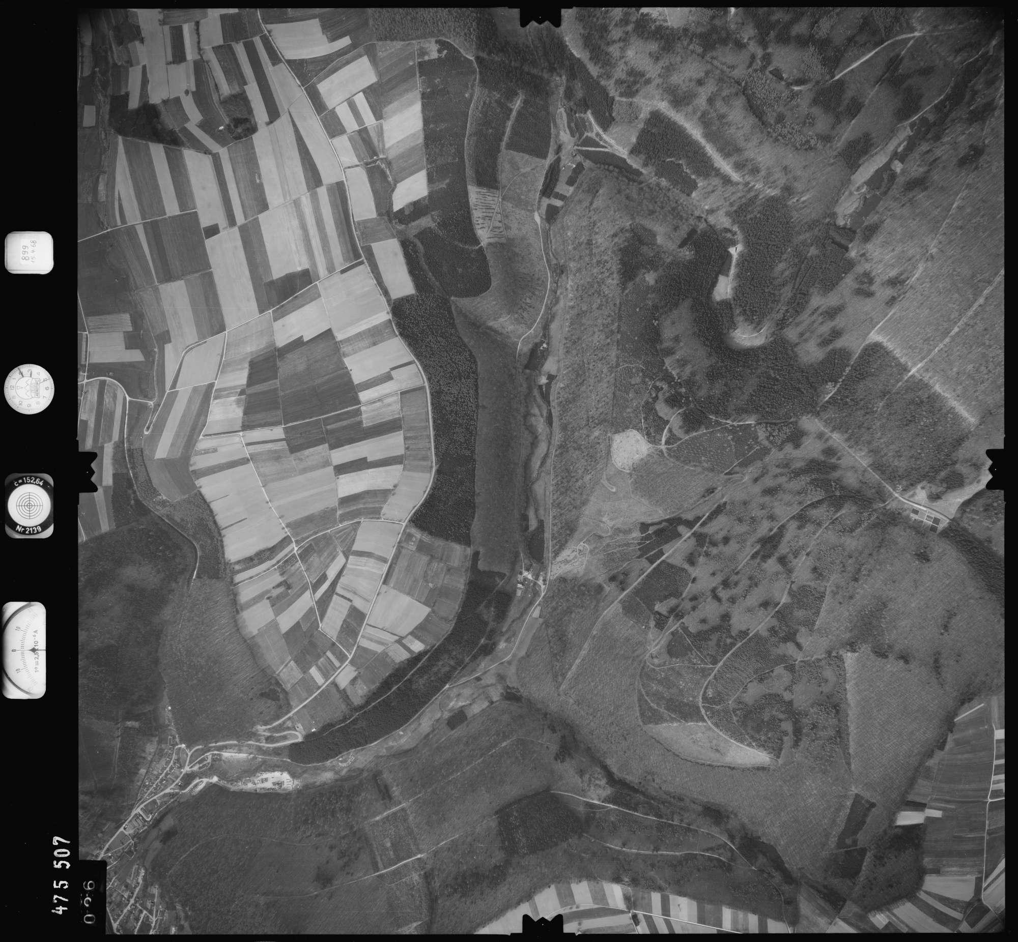 Luftbild: Film 899 Bildnr. 26, Bild 1
