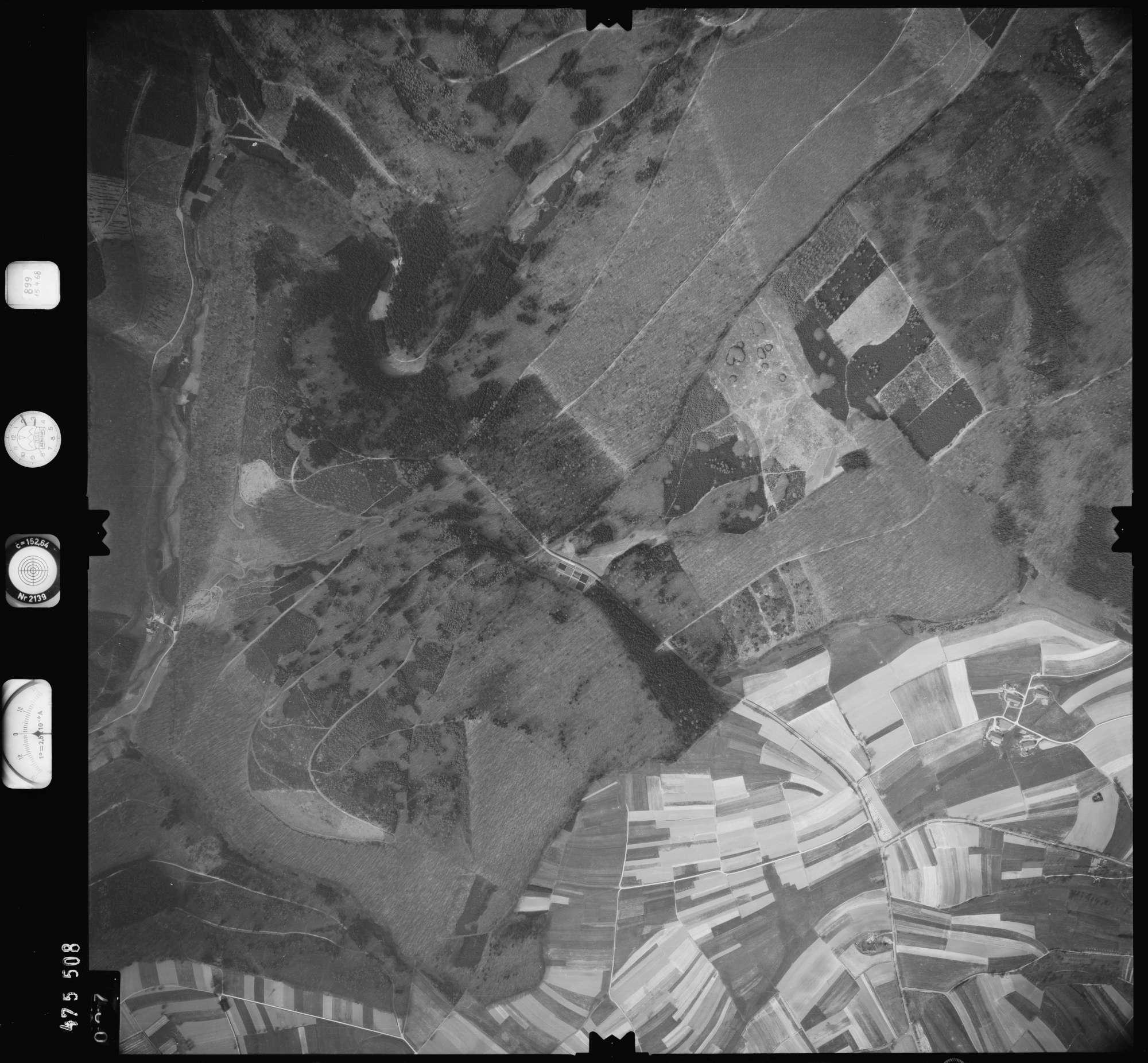Luftbild: Film 899 Bildnr. 27, Bild 1