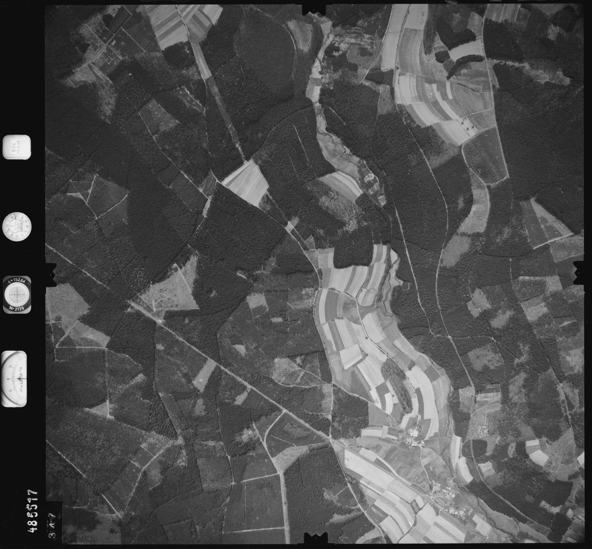 Luftbild: Film 896 Bildnr. 347, Bild 1