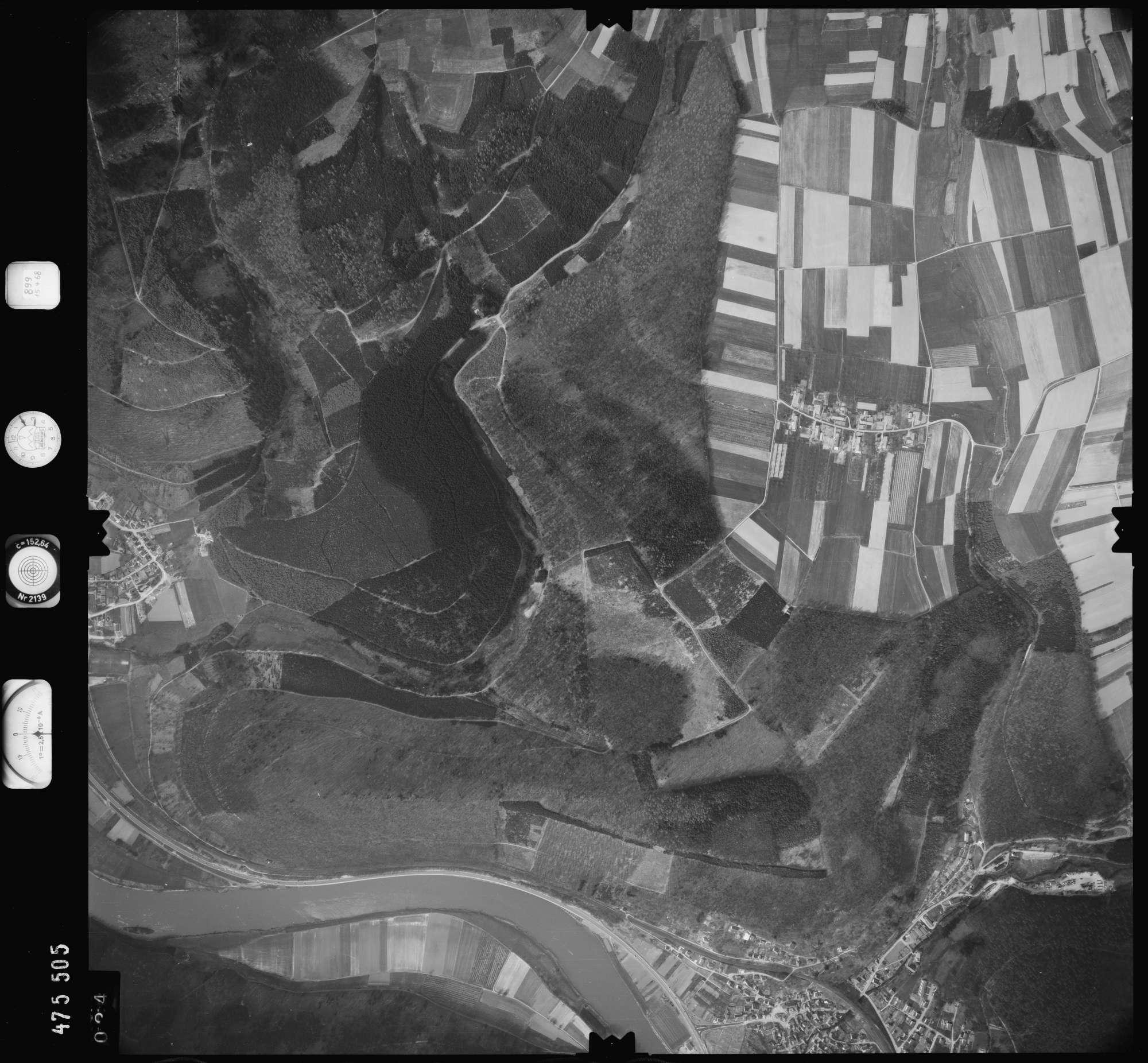 Luftbild: Film 899 Bildnr. 24, Bild 1
