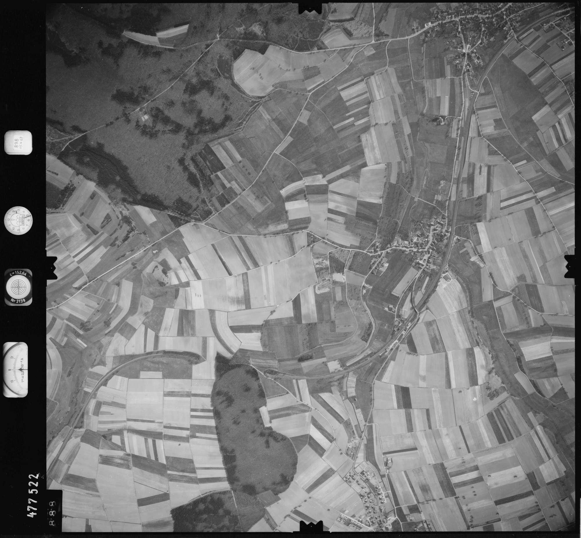 Luftbild: Film 898 Bildnr. 888, Bild 1