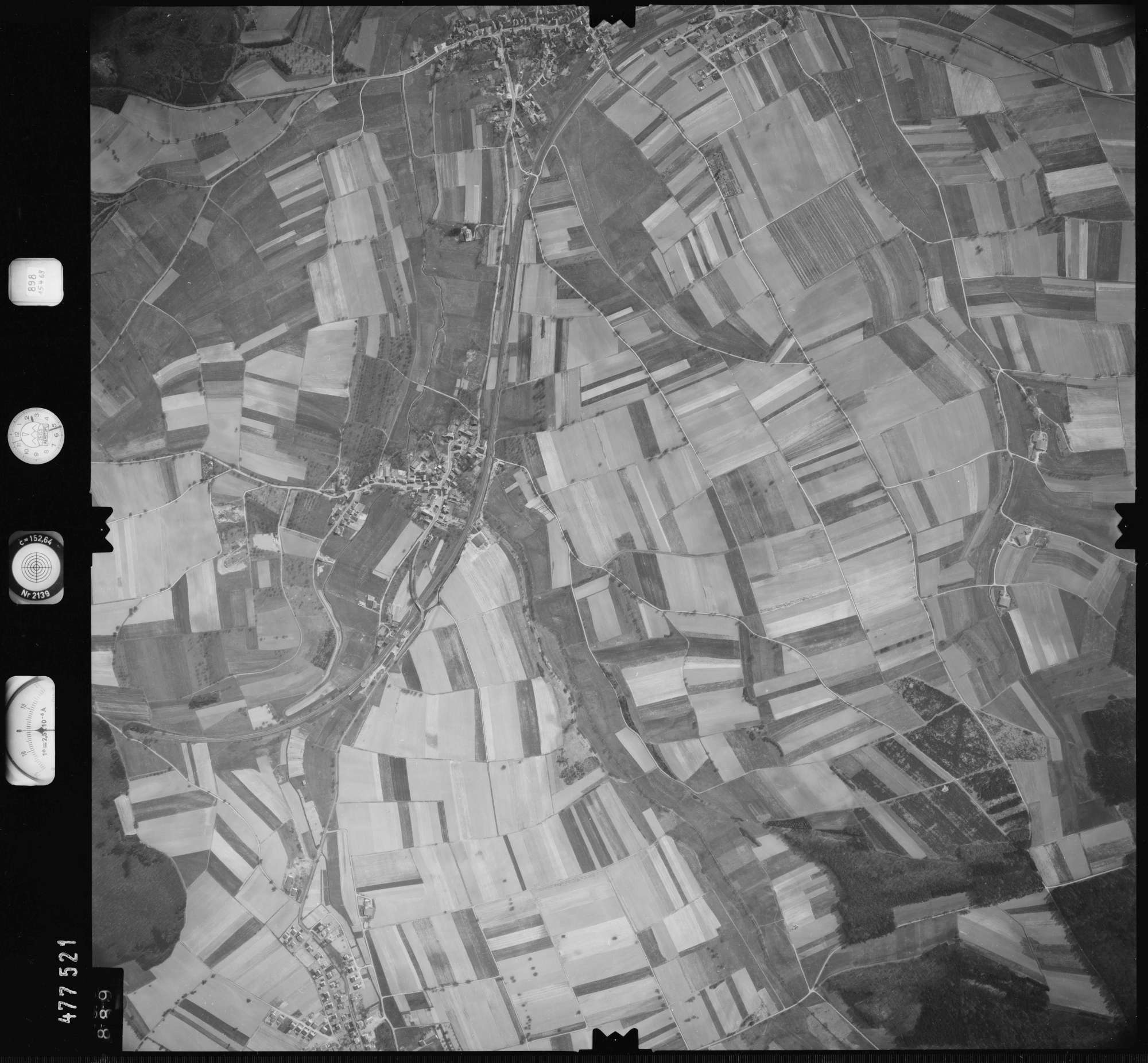 Luftbild: Film 898 Bildnr. 889, Bild 1