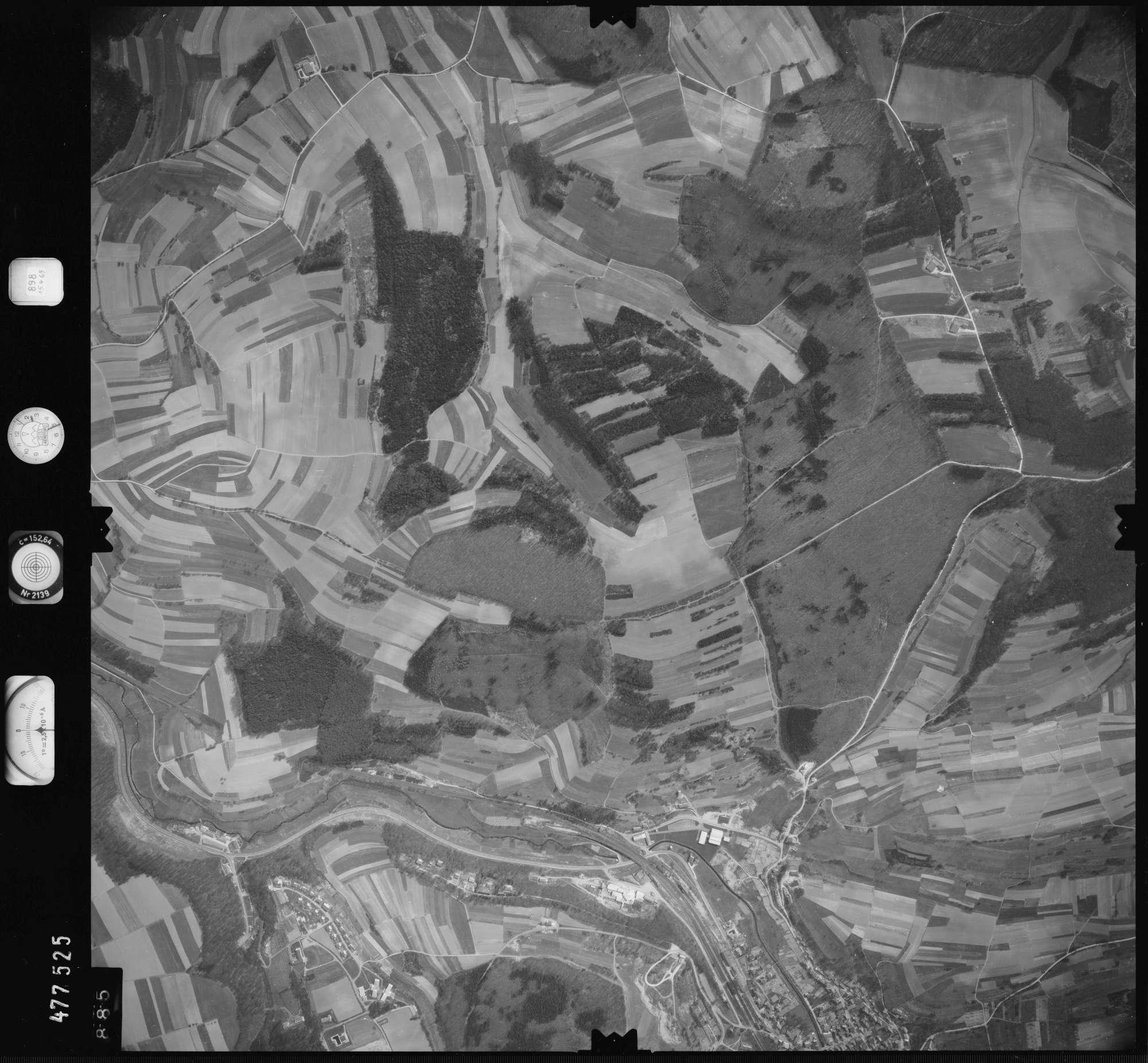 Luftbild: Film 898 Bildnr. 885, Bild 1