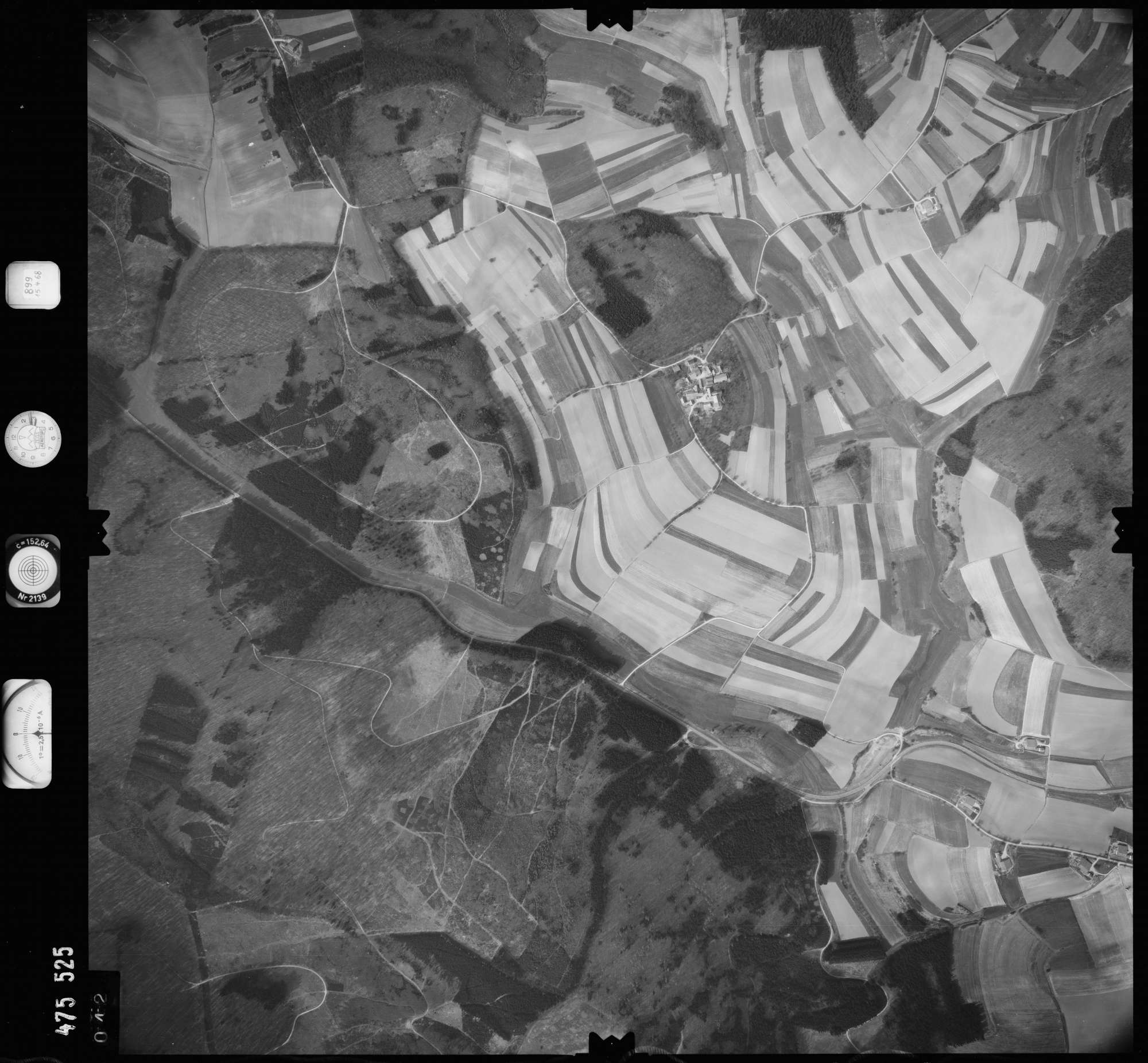 Luftbild: Film 899 Bildnr. 42, Bild 1