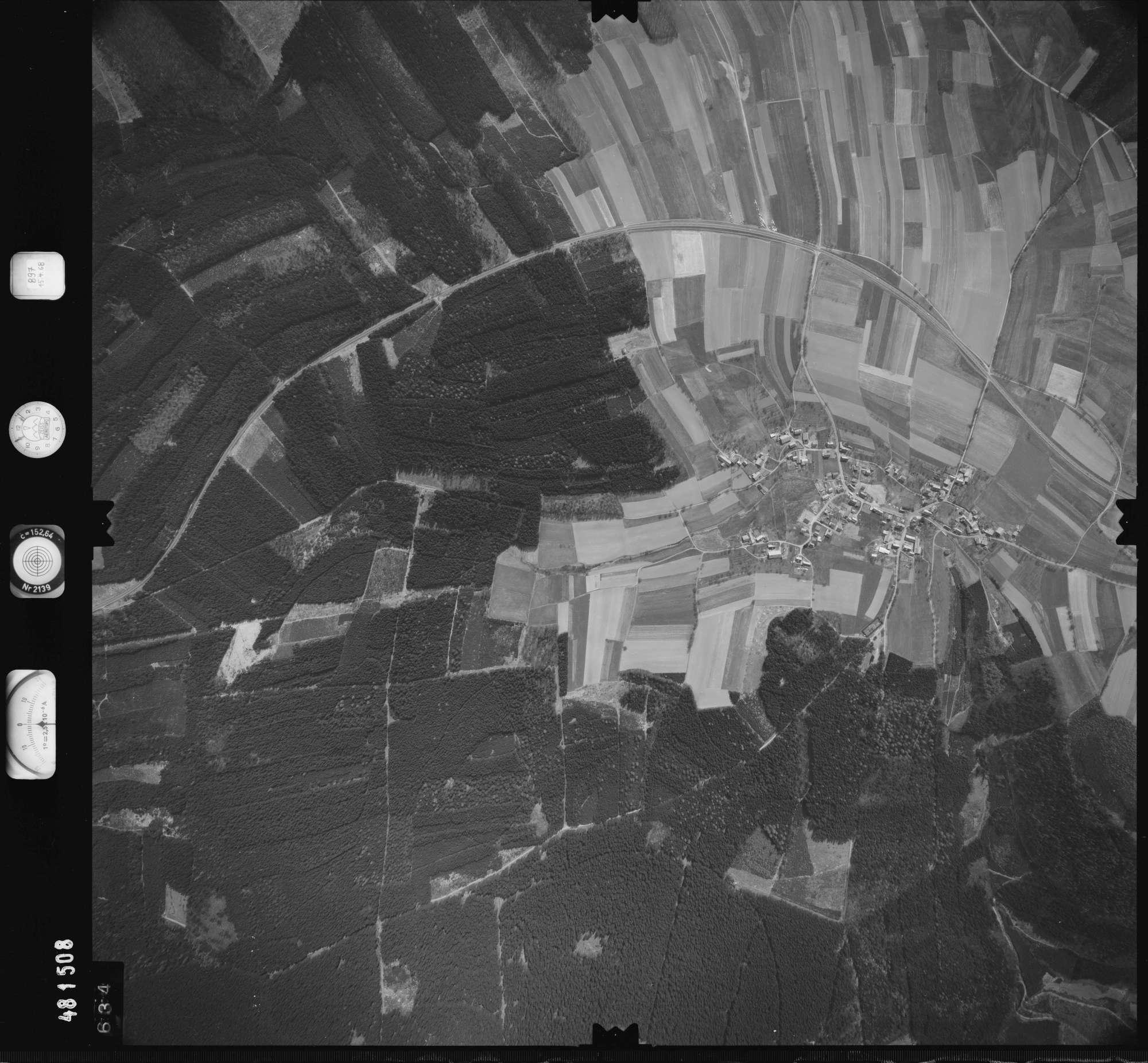 Luftbild: Film 897 Bildnr. 634, Bild 1