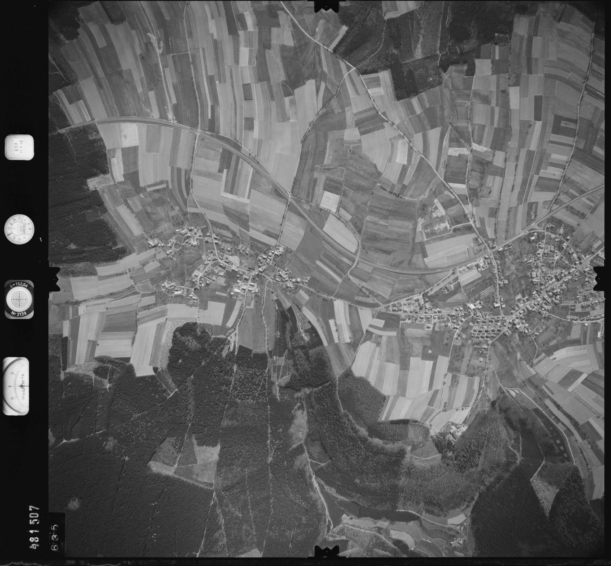 Luftbild: Film 897 Bildnr. 635, Bild 1