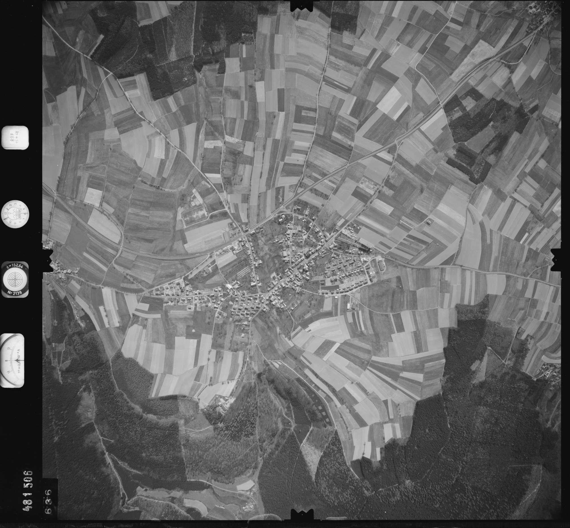 Luftbild: Film 897 Bildnr. 636, Bild 1