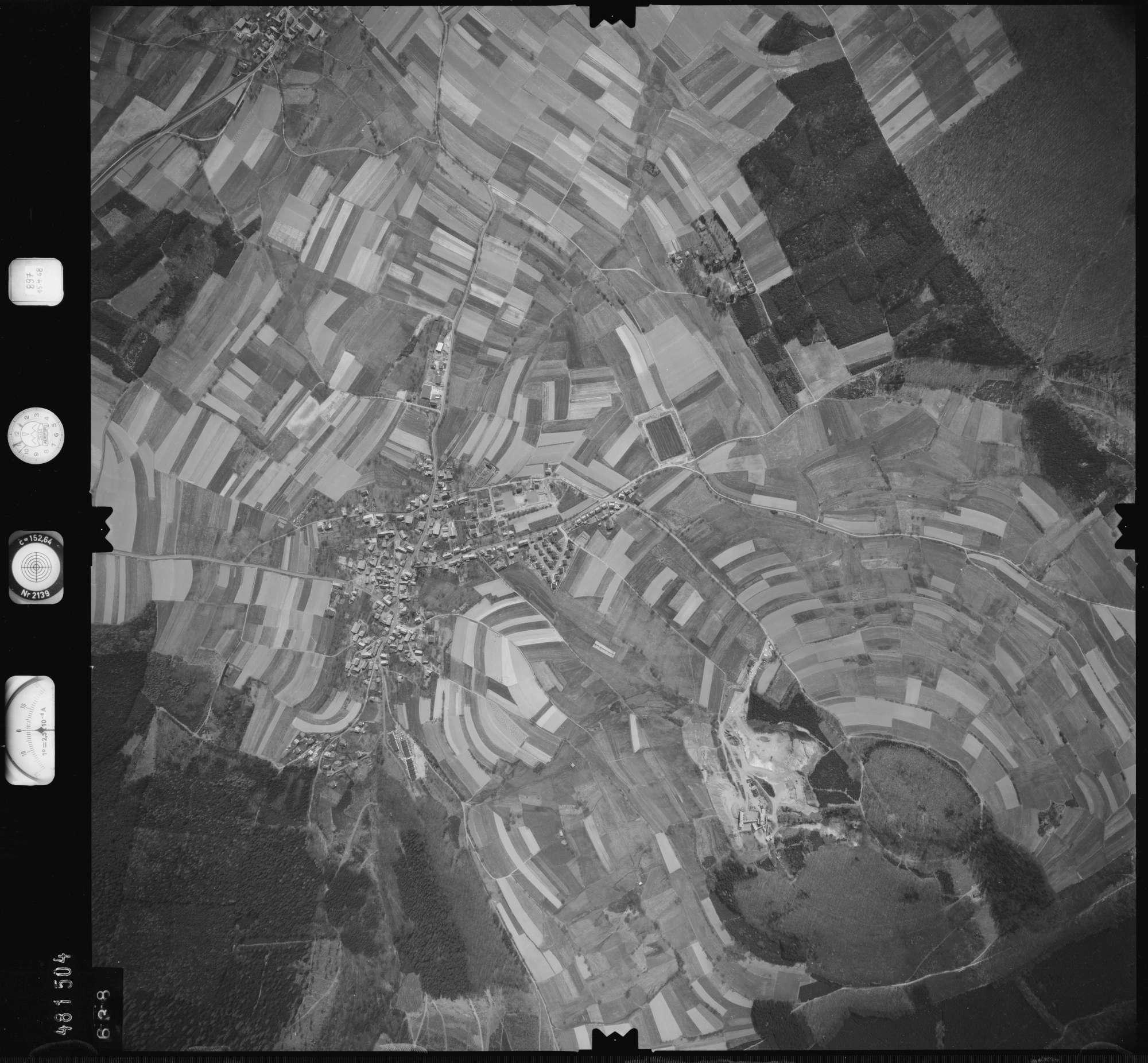 Luftbild: Film 897 Bildnr. 638, Bild 1