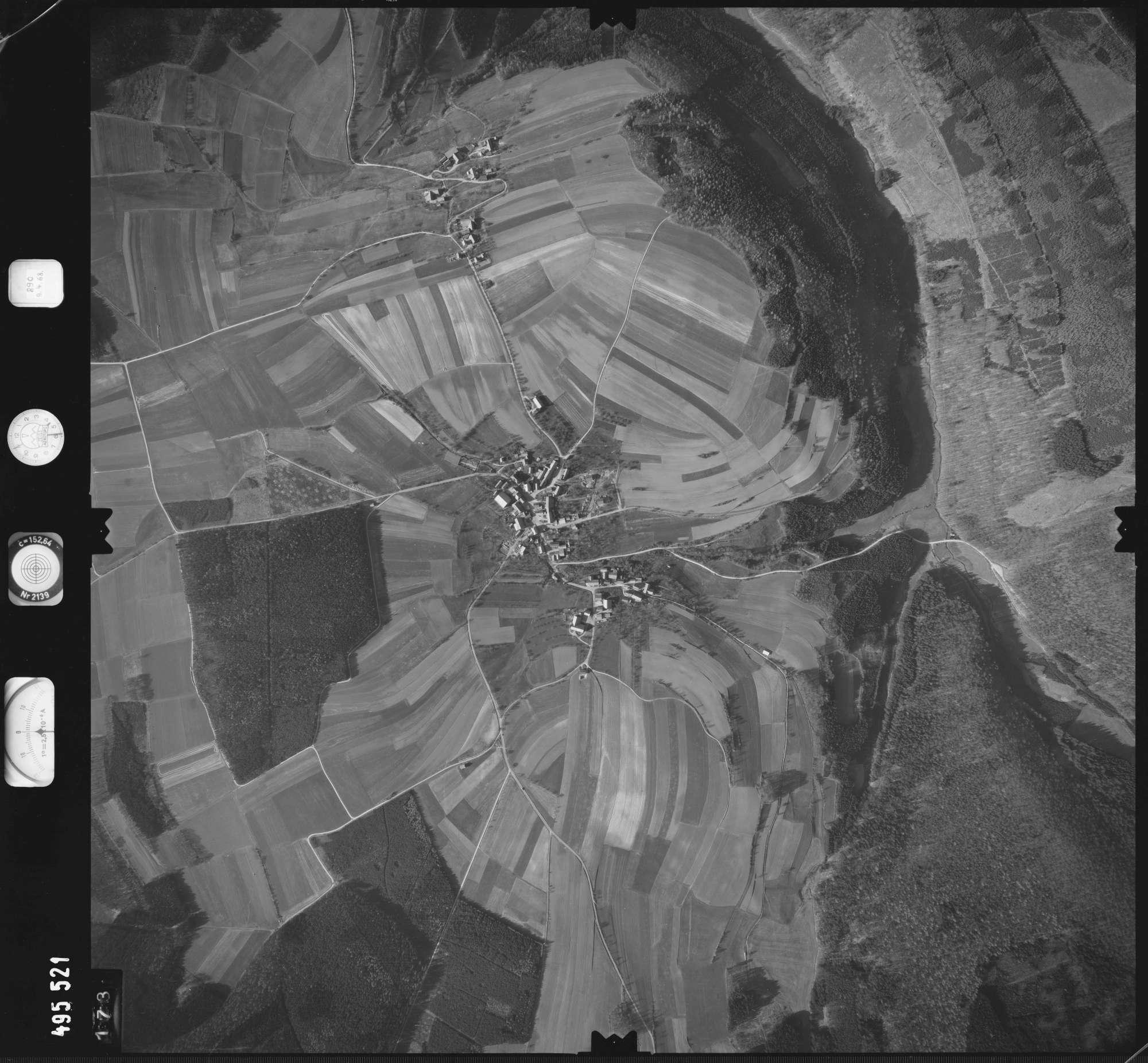 Luftbild: Film 889 Bildnr. 173, Bild 1