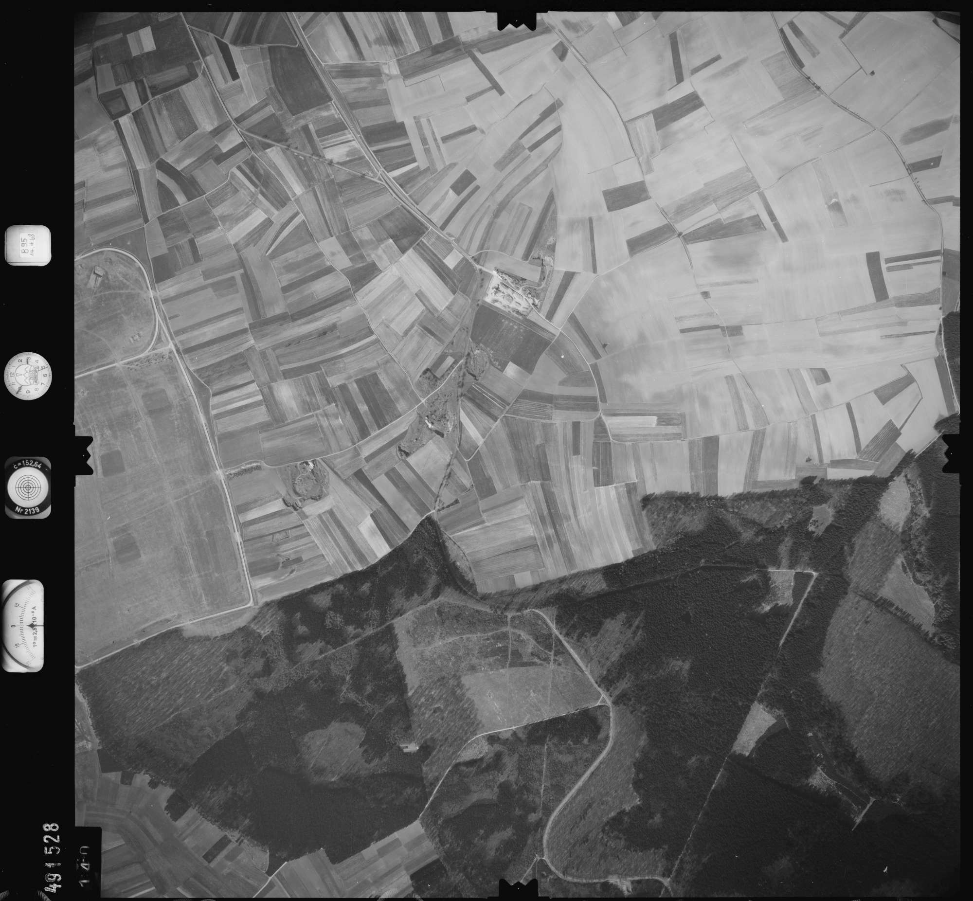 Luftbild: Film 895 Bildnr. 140, Bild 1