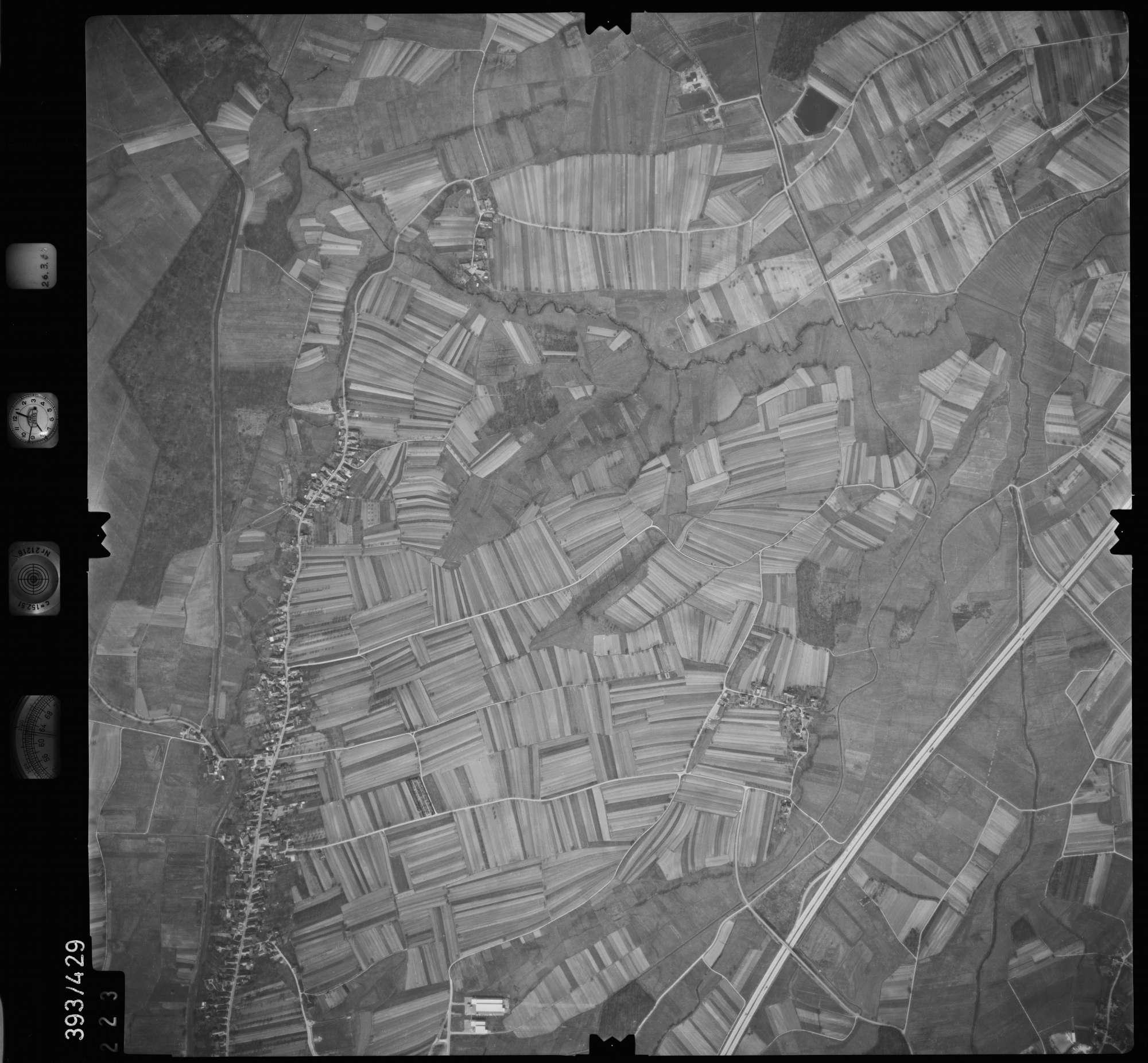 Luftbild: Film 8 Bildnr. 223, Bild 1