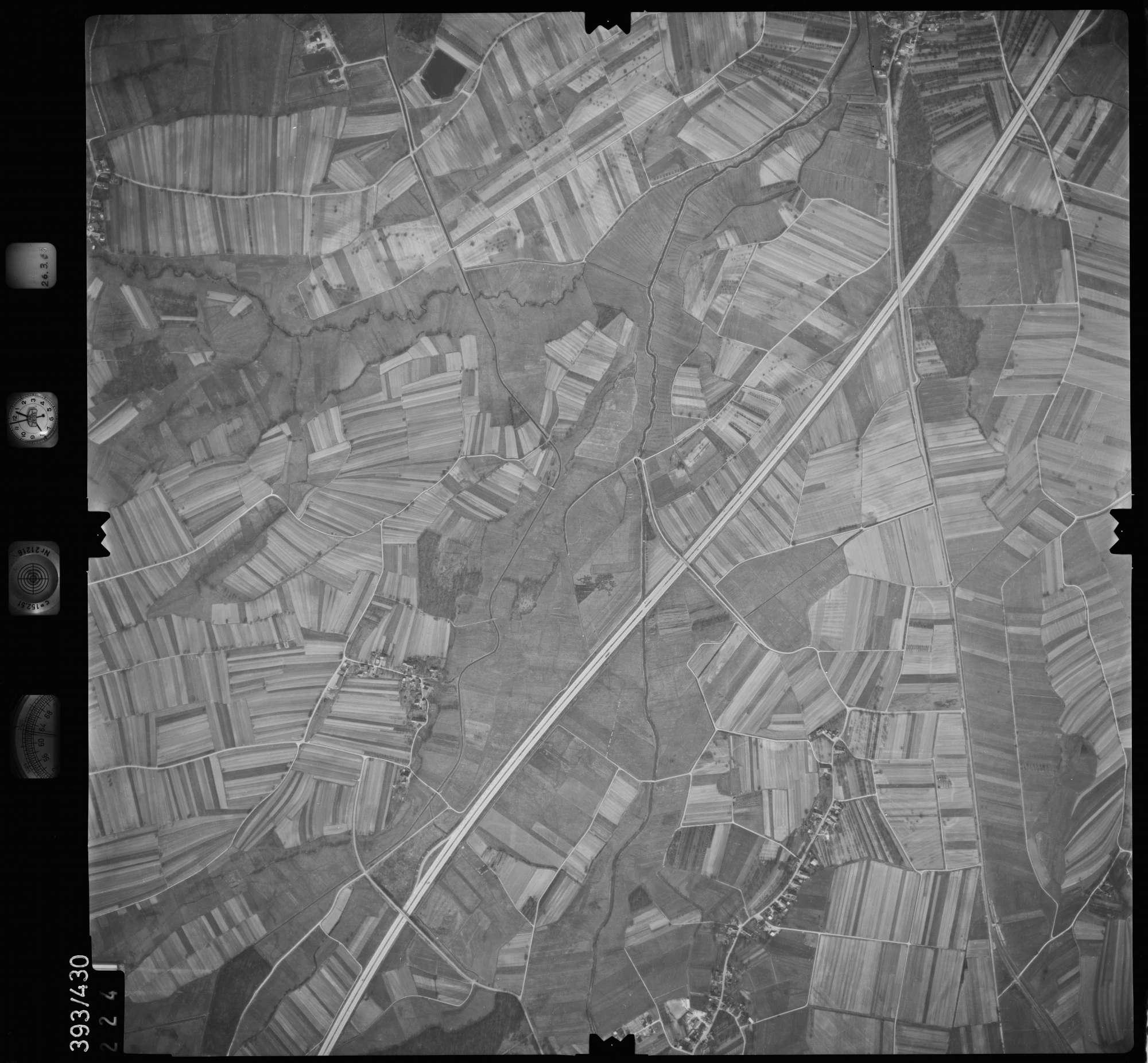 Luftbild: Film 8 Bildnr. 224, Bild 1