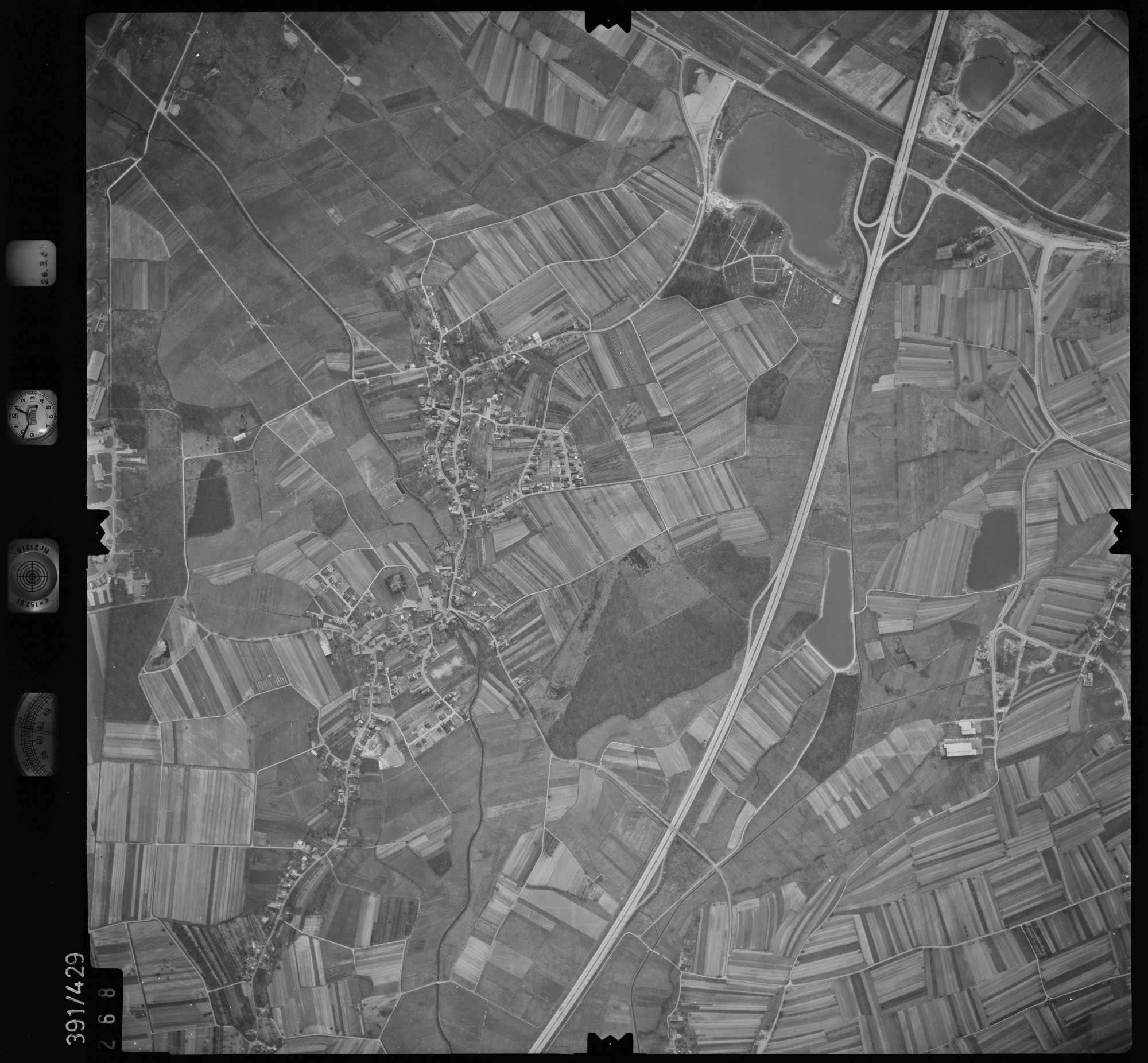 Luftbild: Film 19 Bildnr. 268, Bild 1