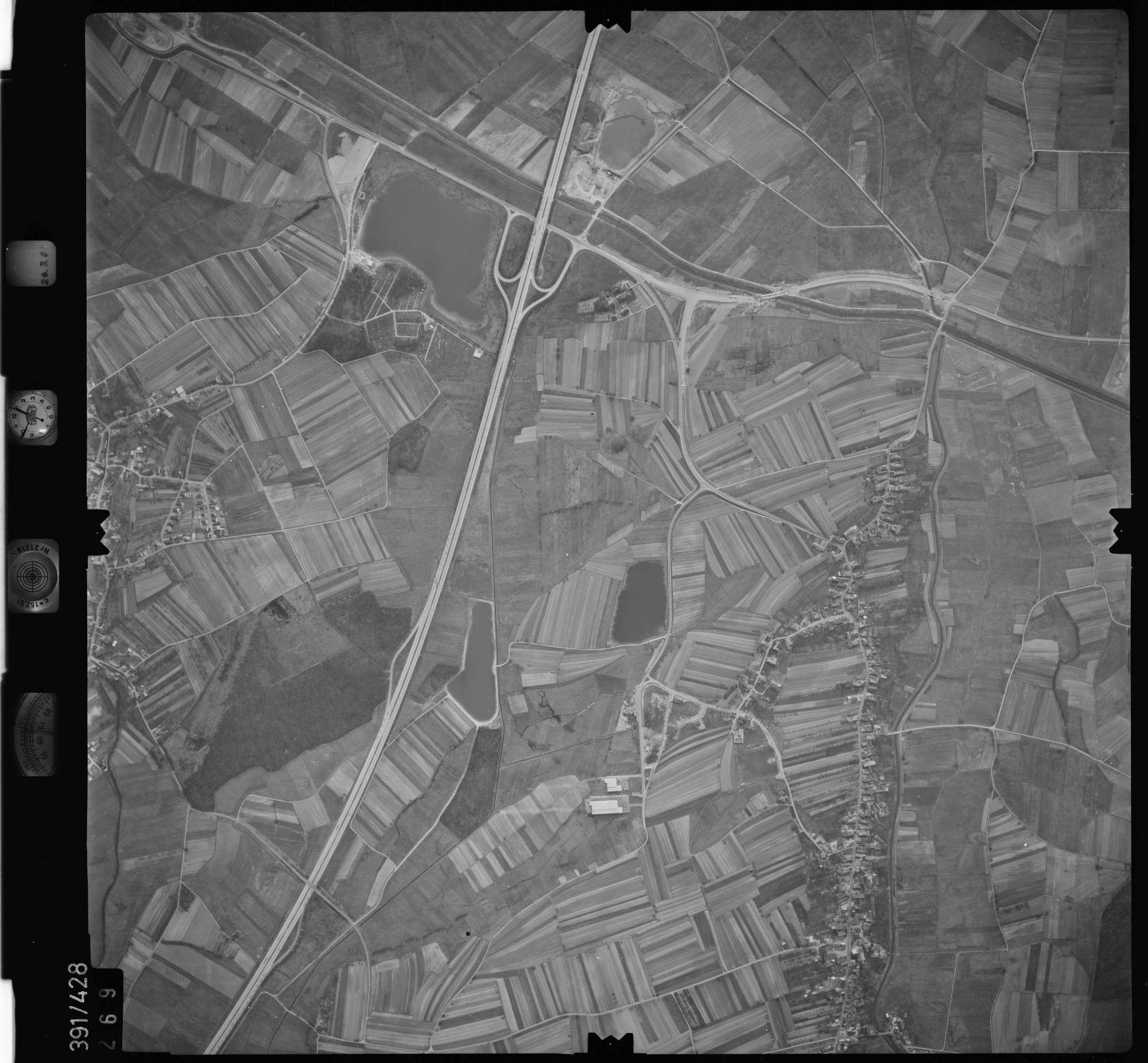 Luftbild: Film 19 Bildnr. 269, Bild 1