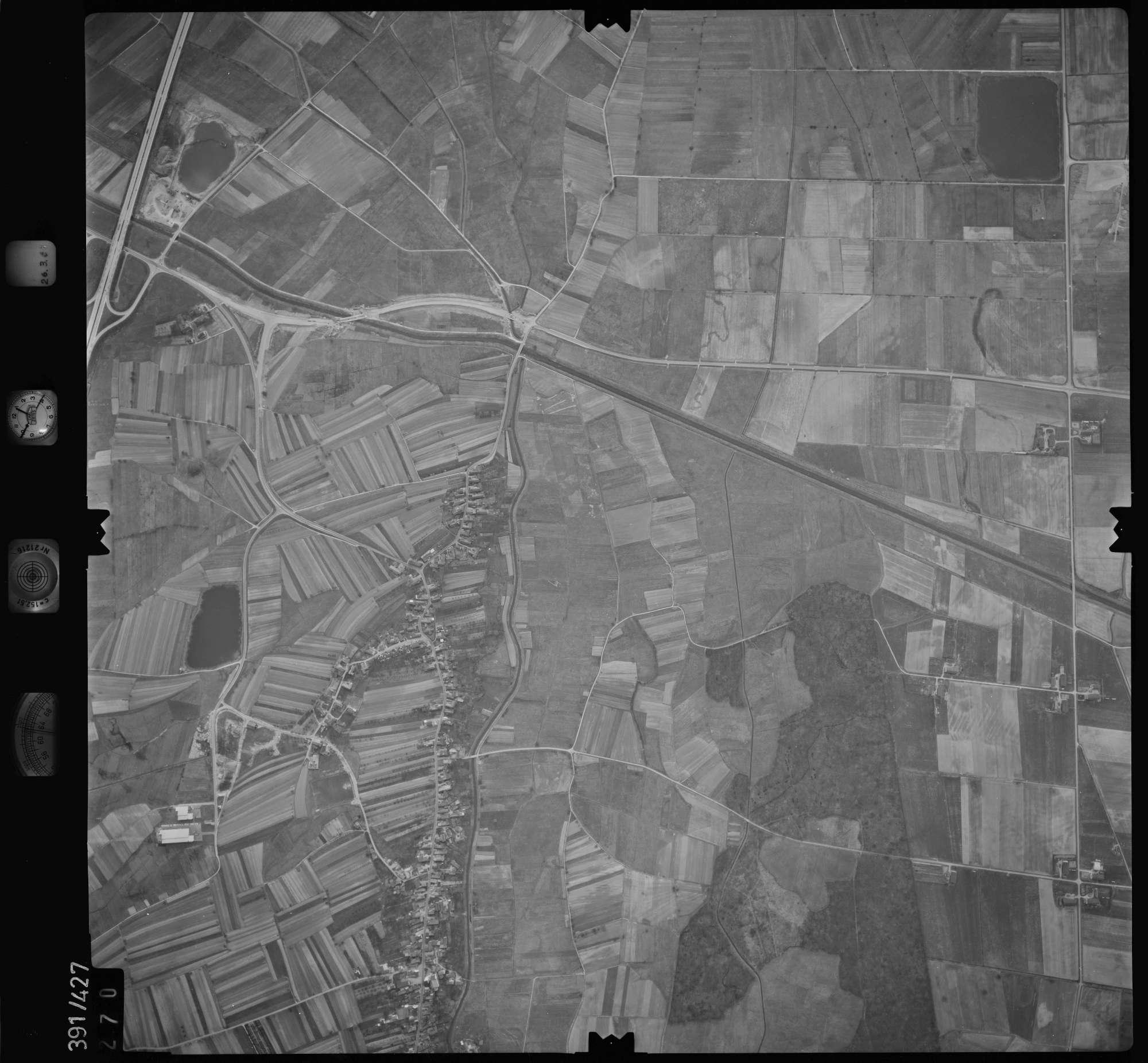 Luftbild: Film 19 Bildnr. 270, Bild 1