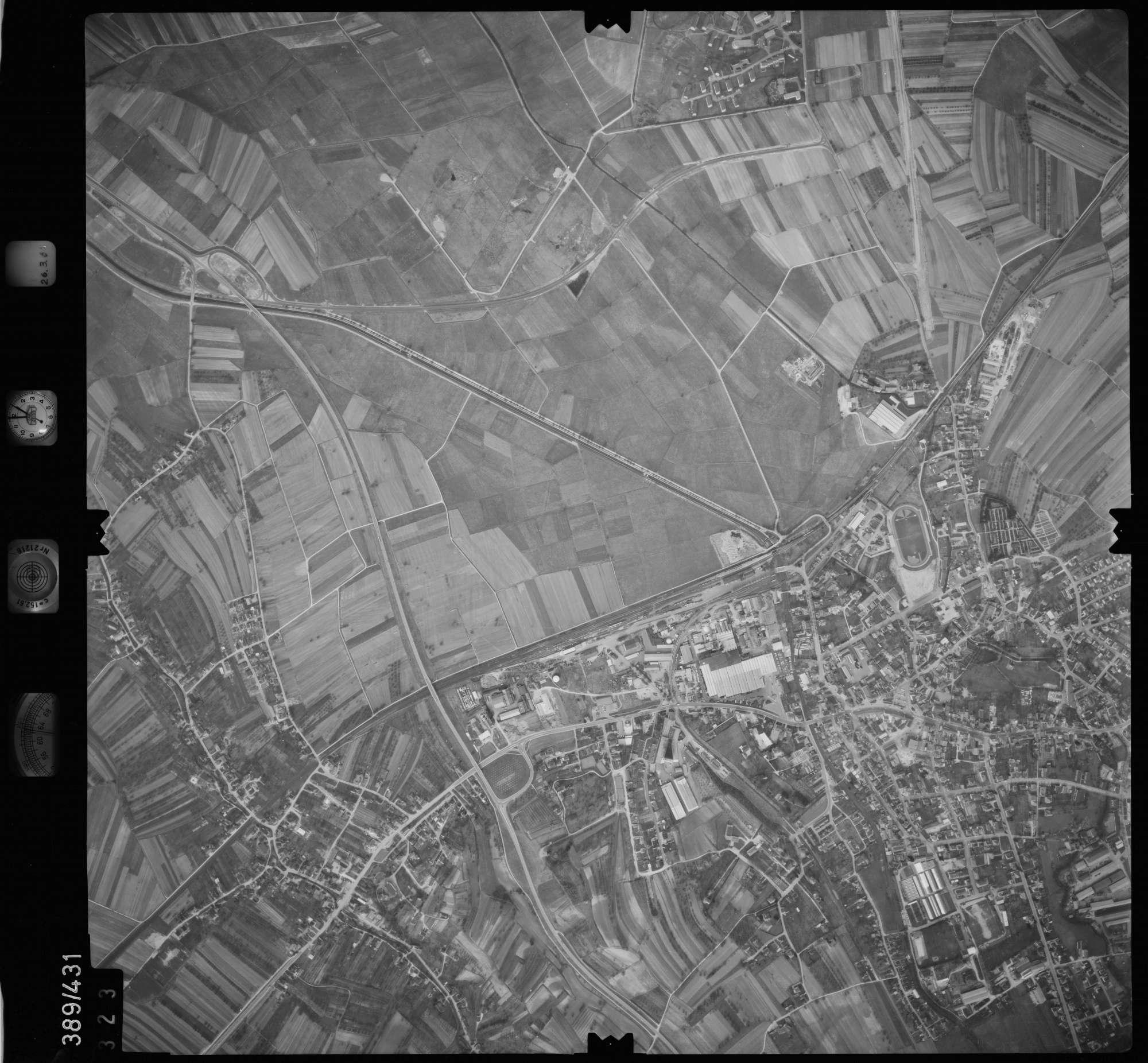 Luftbild: Film 20 Bildnr. 323, Bild 1