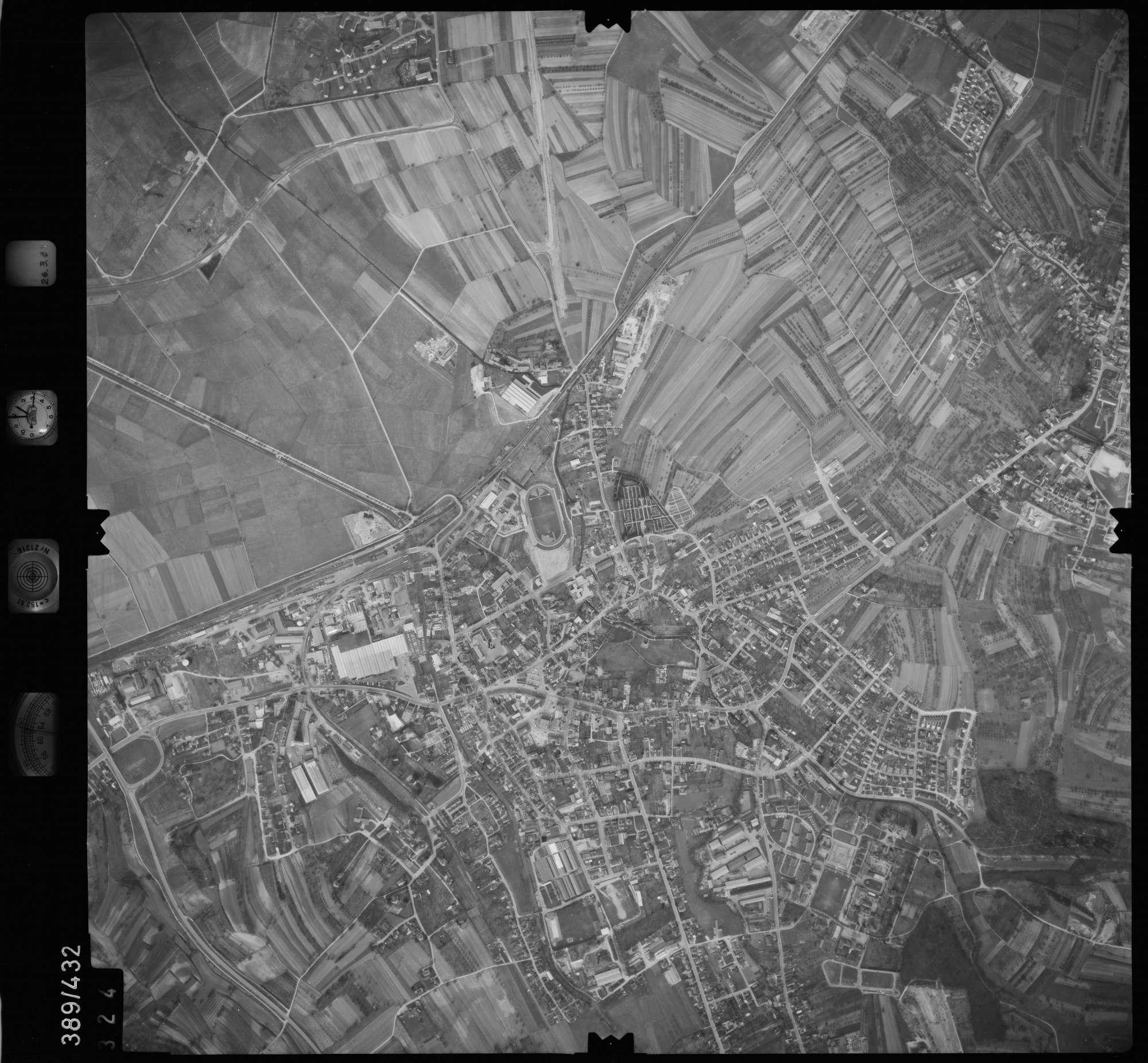 Luftbild: Film 20 Bildnr. 324, Bild 1