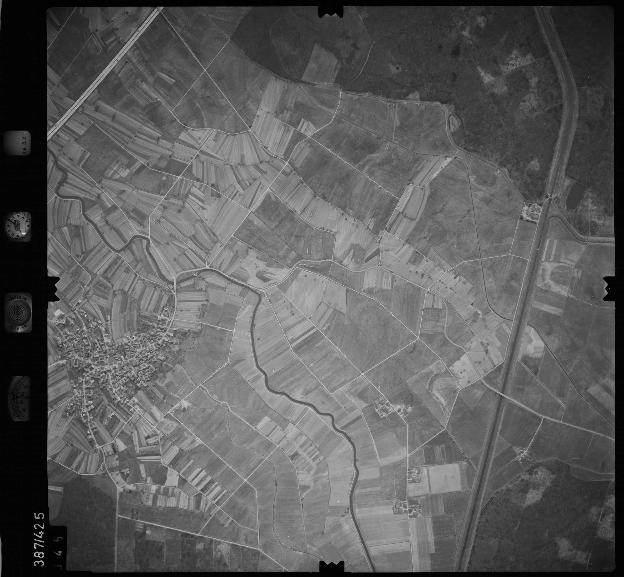 Luftbild: Film 20 Bildnr. 345, Bild 1